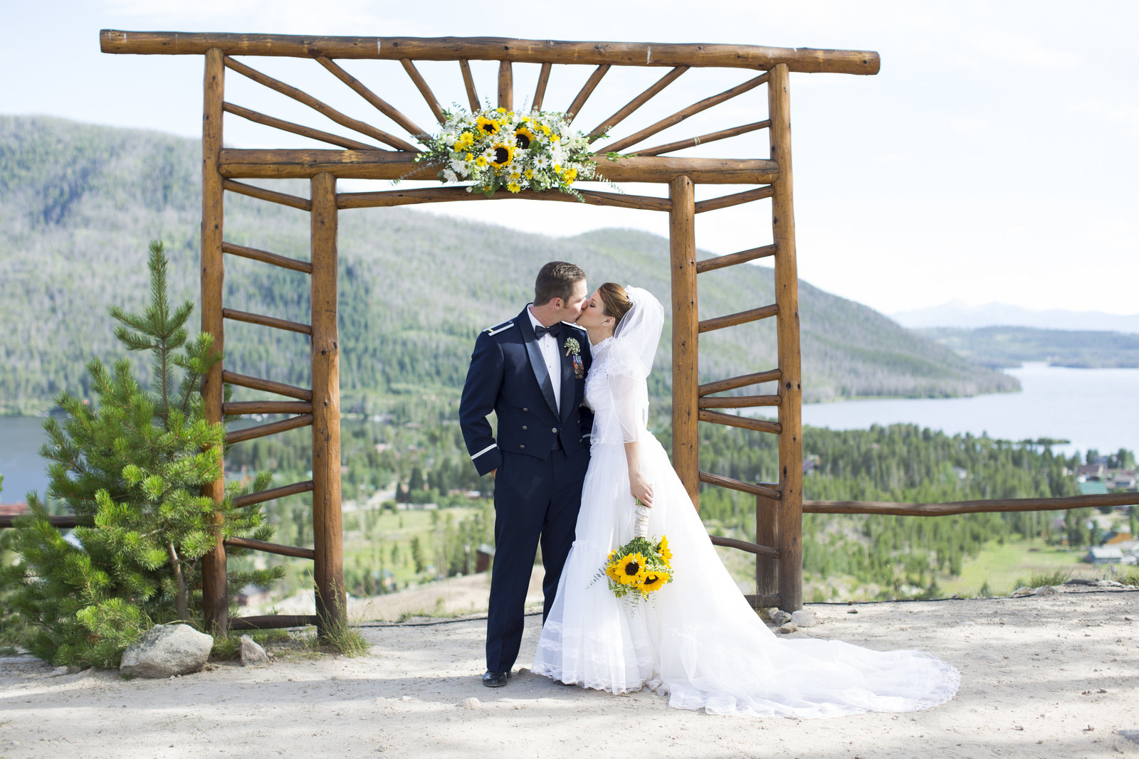 Jessi-Zach-Photography-Colorado-Wedding-Photographer-Grand-Lake-Lodge_2
