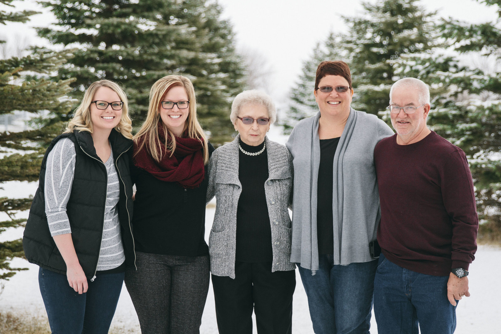 family | elizabeth street photography | winter | evergreen trees | Steele, ND