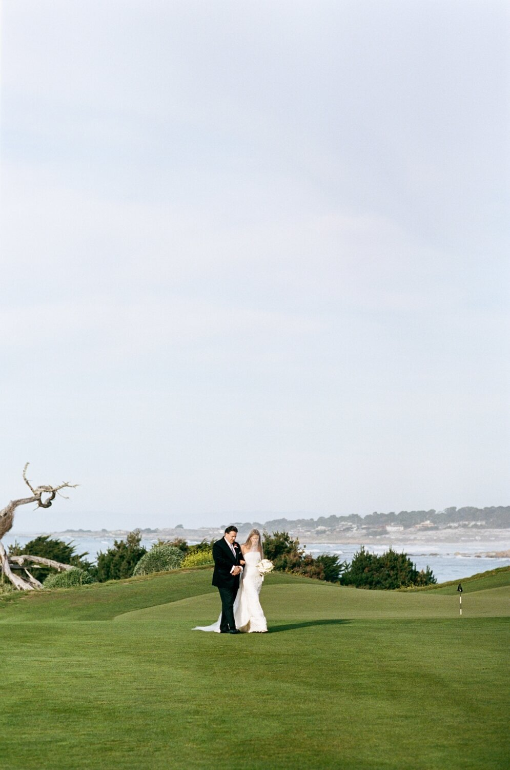 Monterey_Peninsula_Country_Club_autumn_red_white_floral_classic_golf_wedding_inspiration028