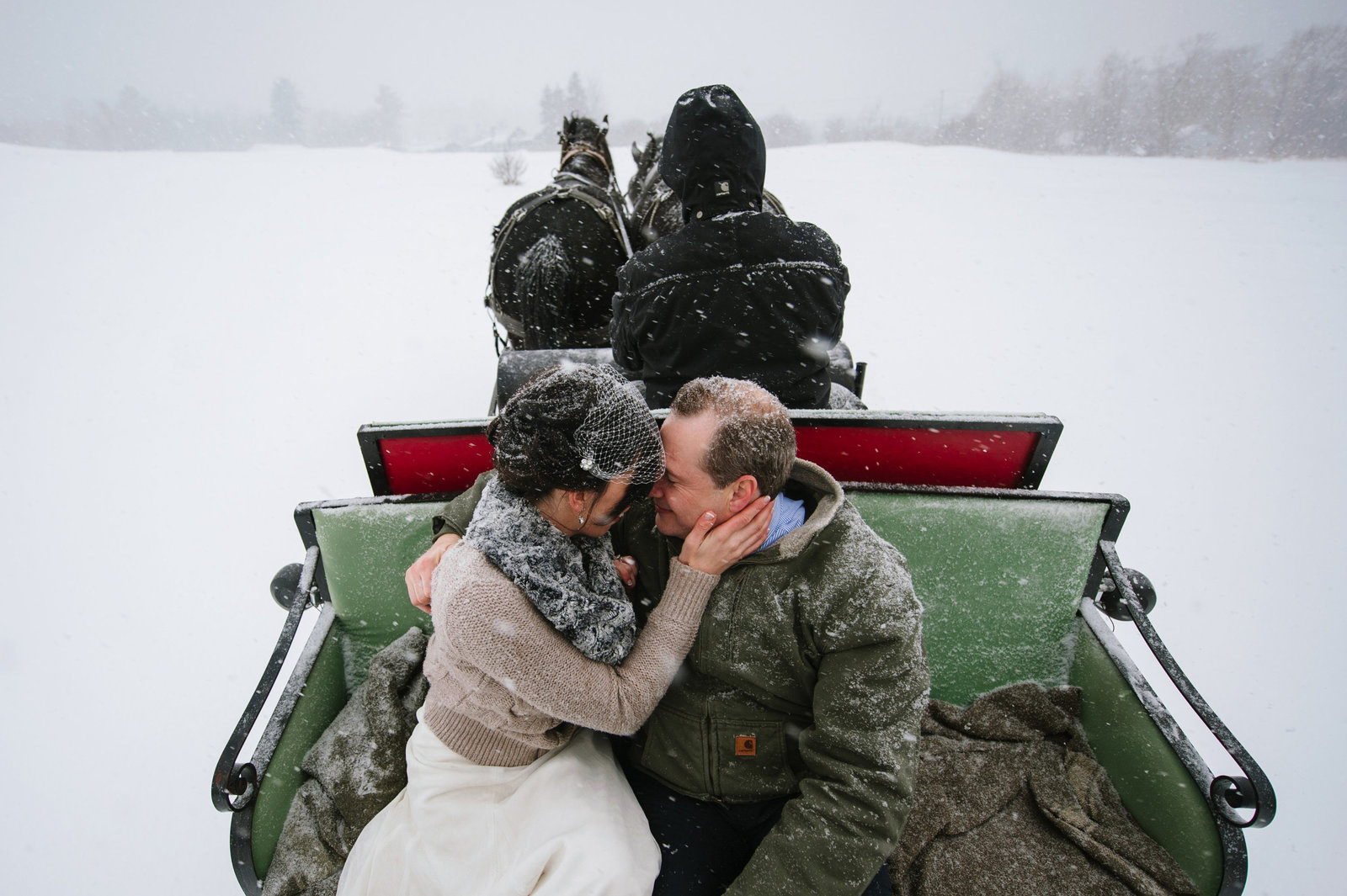 Snowy Intimate Vermont Wedding 0011