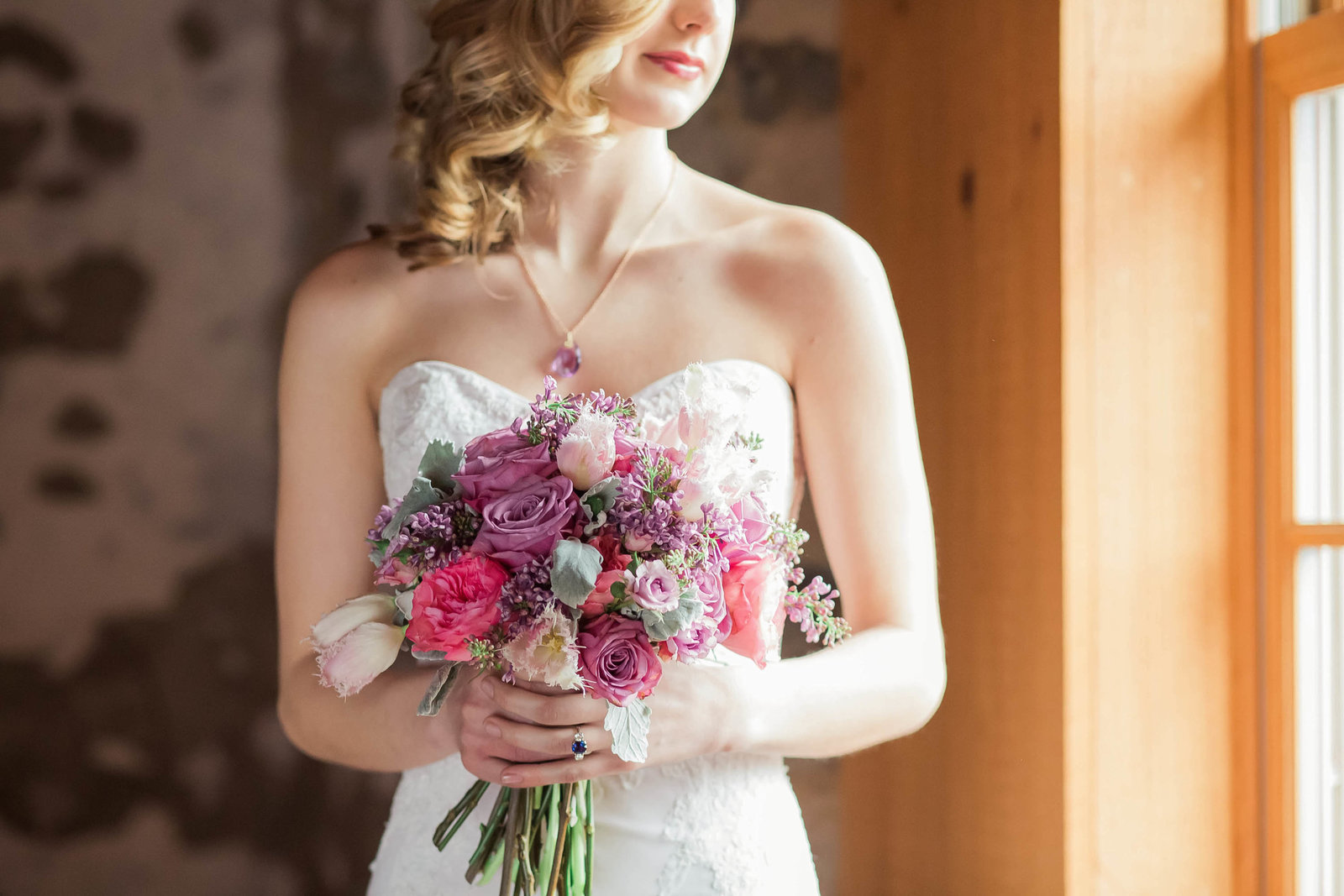 bouquet-nicolosa-gown-sweetwater-farm-winery-philadelphia-fashion-delaware-main-line-today-magazine-bridal-editorial-photography-kate-timbers219