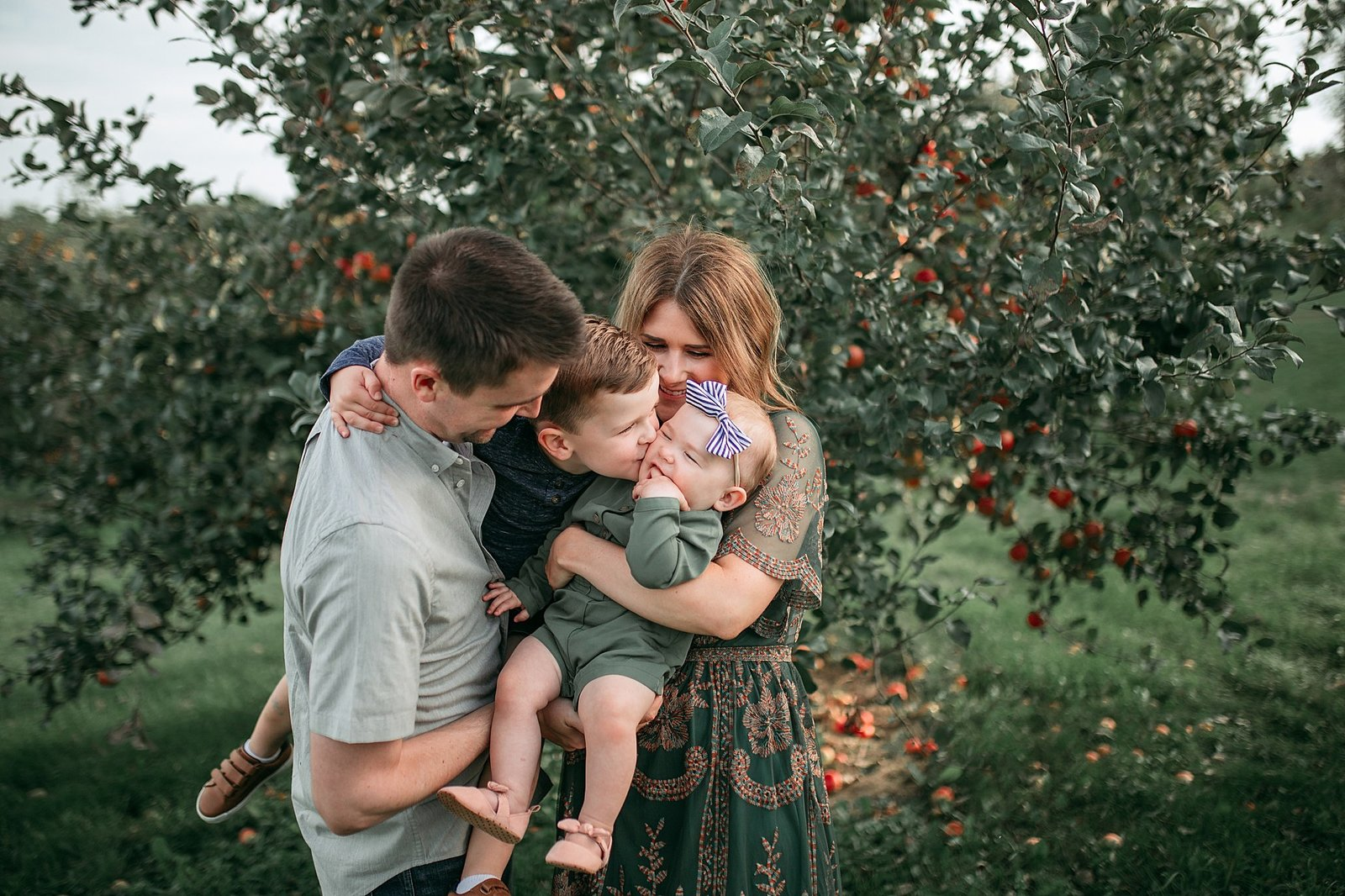 Final Family Photos 2018 Apple Orchard (10 of 108)