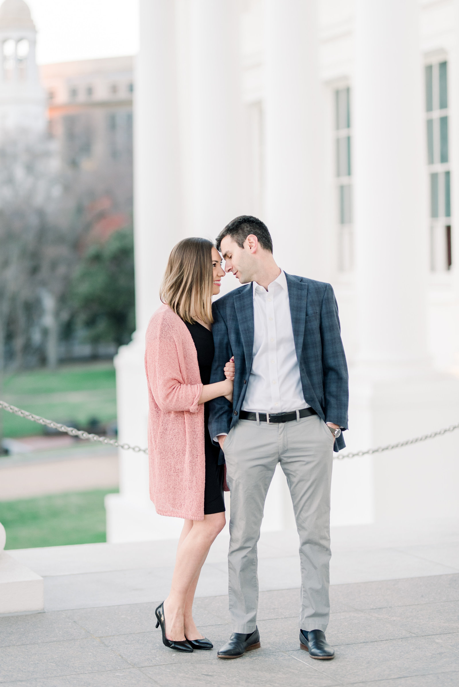 richmond-virginia-capitol-building-engagement-session-photo475