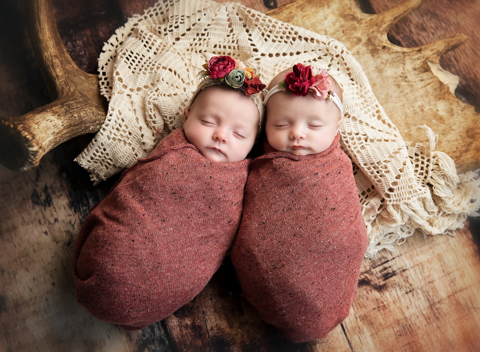 twin newborn photographer