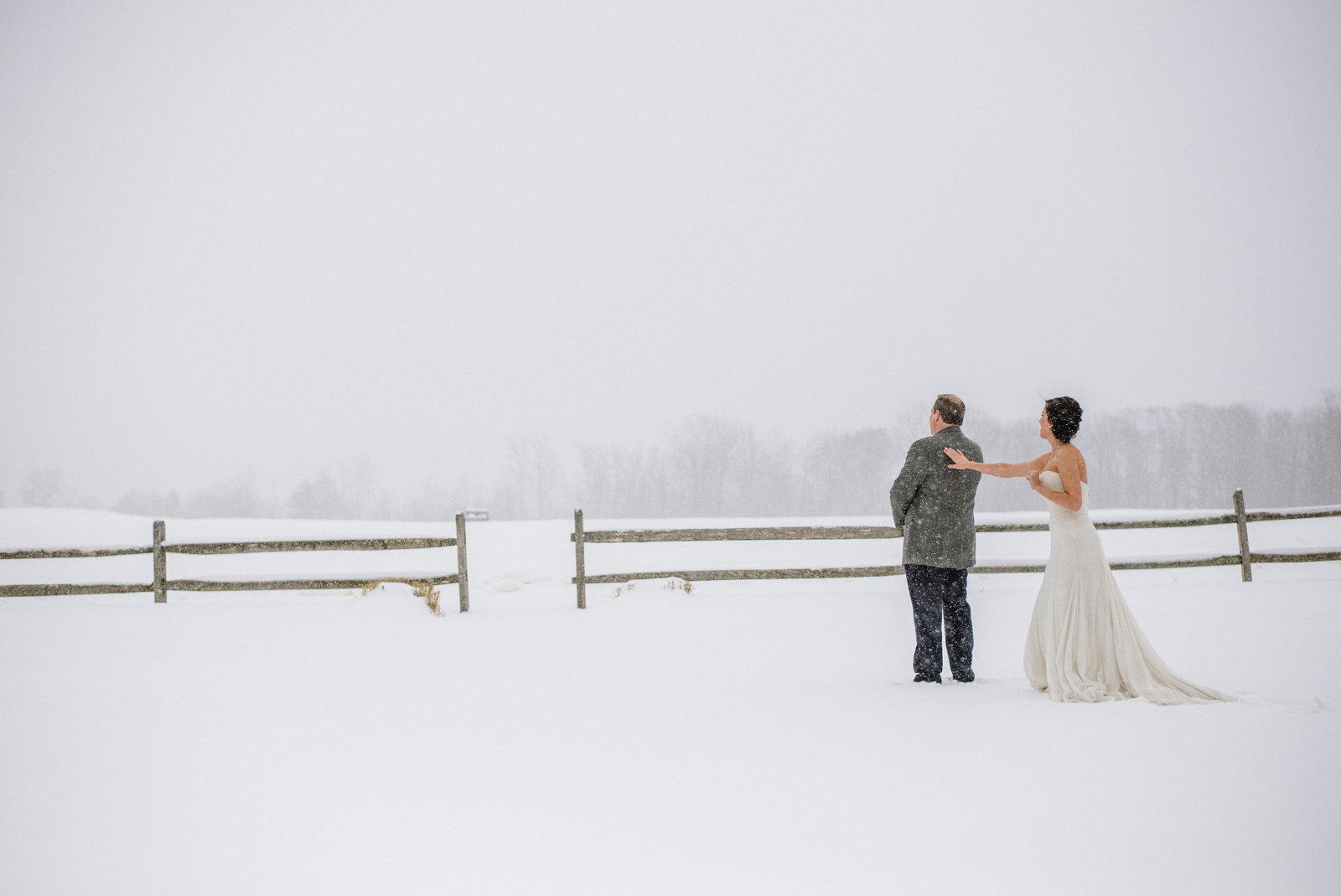 Snowy Intimate Vermont Wedding 0009