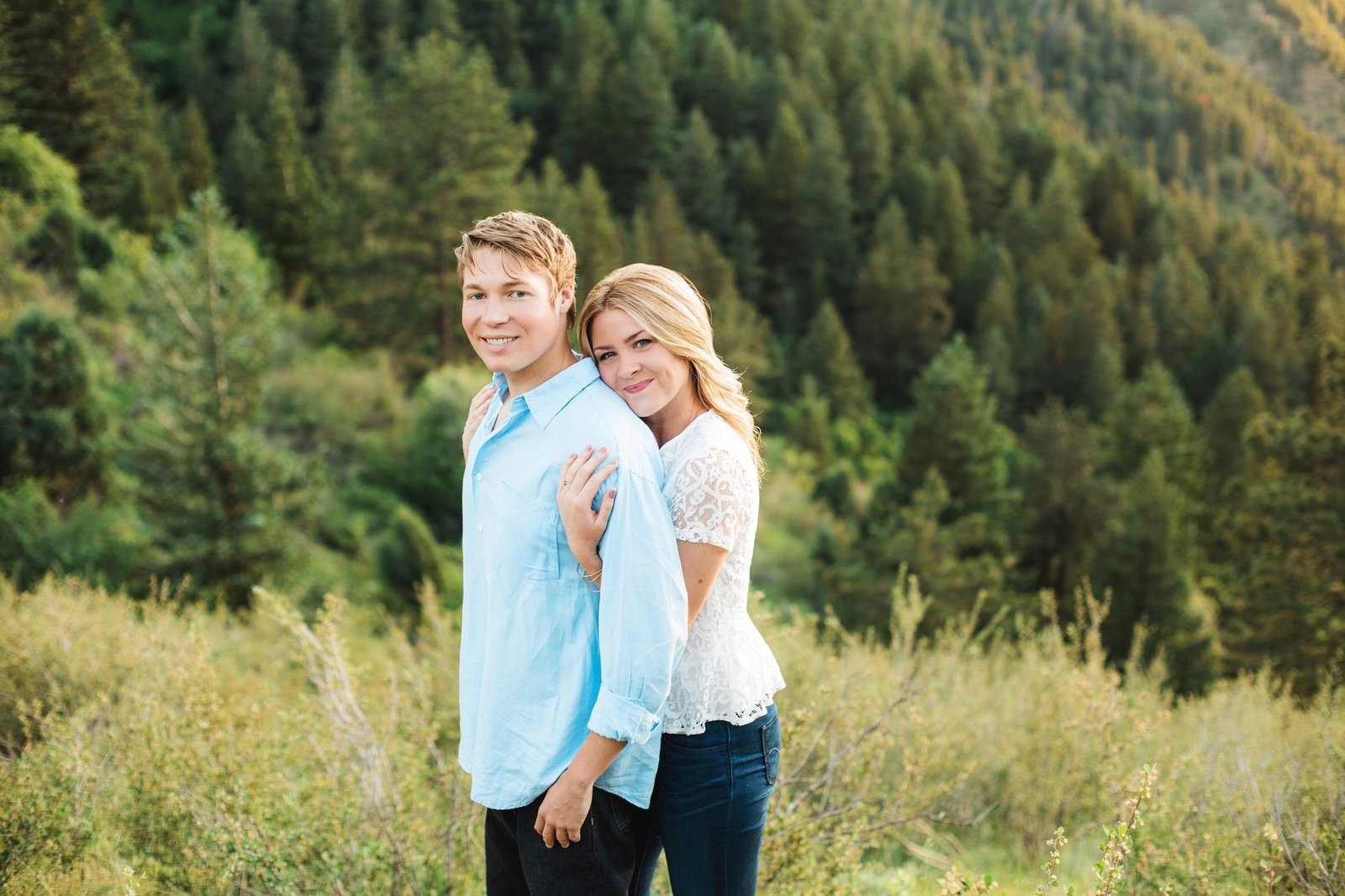 Engagements -Denver Lookout Mountain Engagement Session Golden Colorado Wedding Photographer Overlook City Lights Nature Outdoors Valley Light Couple (11)