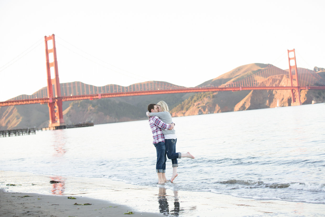 Engagement Couple San Francisco Golden Gate Bridge