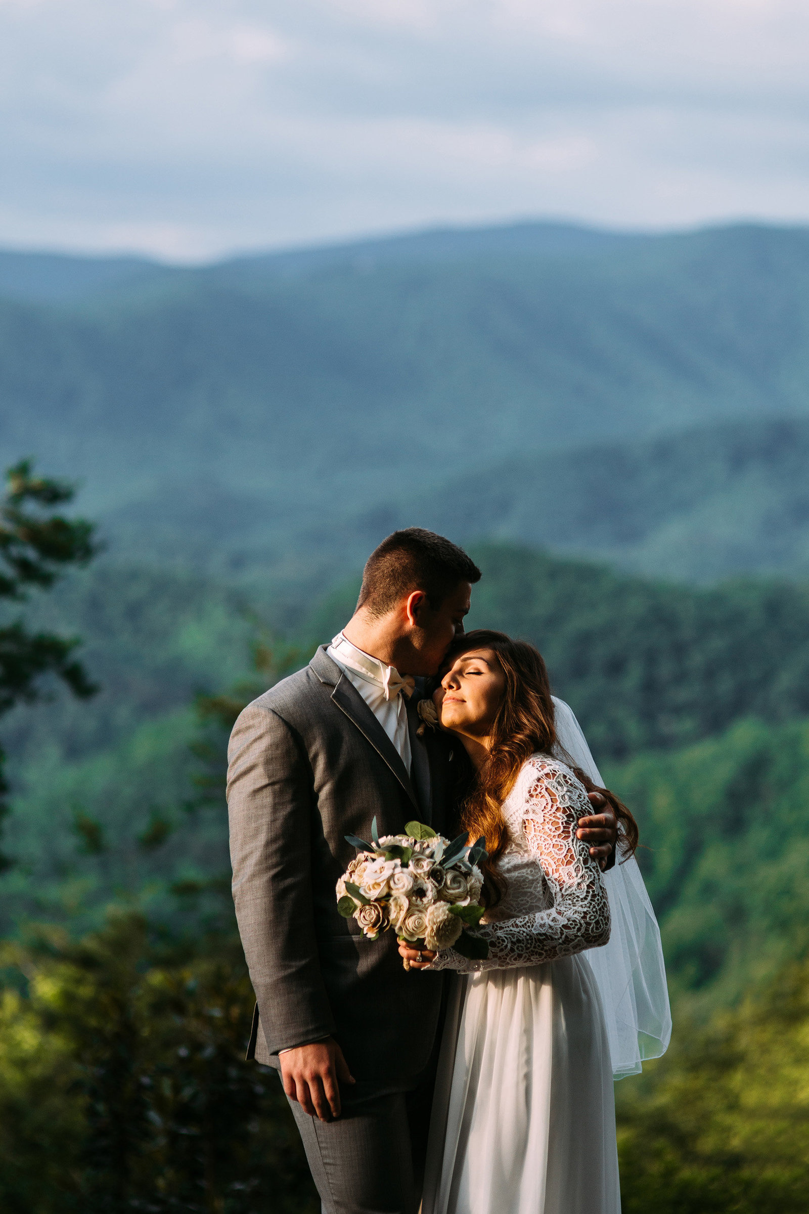 SaraLane-Stevie-Wedding-Elopement-Mountain-Photography-Graciela-Austin-LR-79PS-SMALL