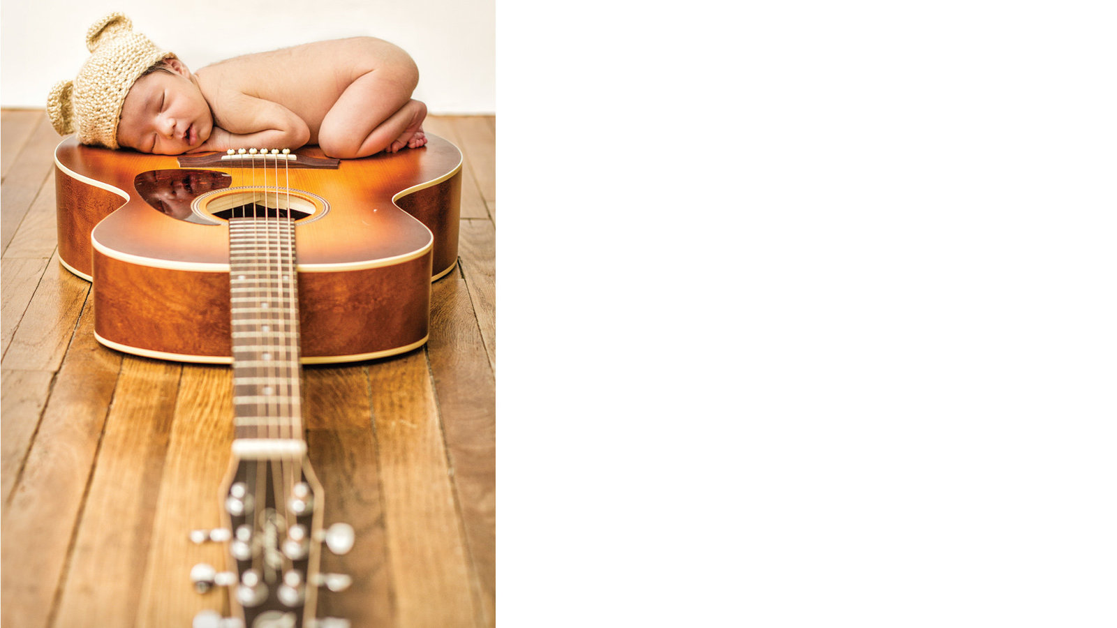cecilia_newborn_photography_guitar