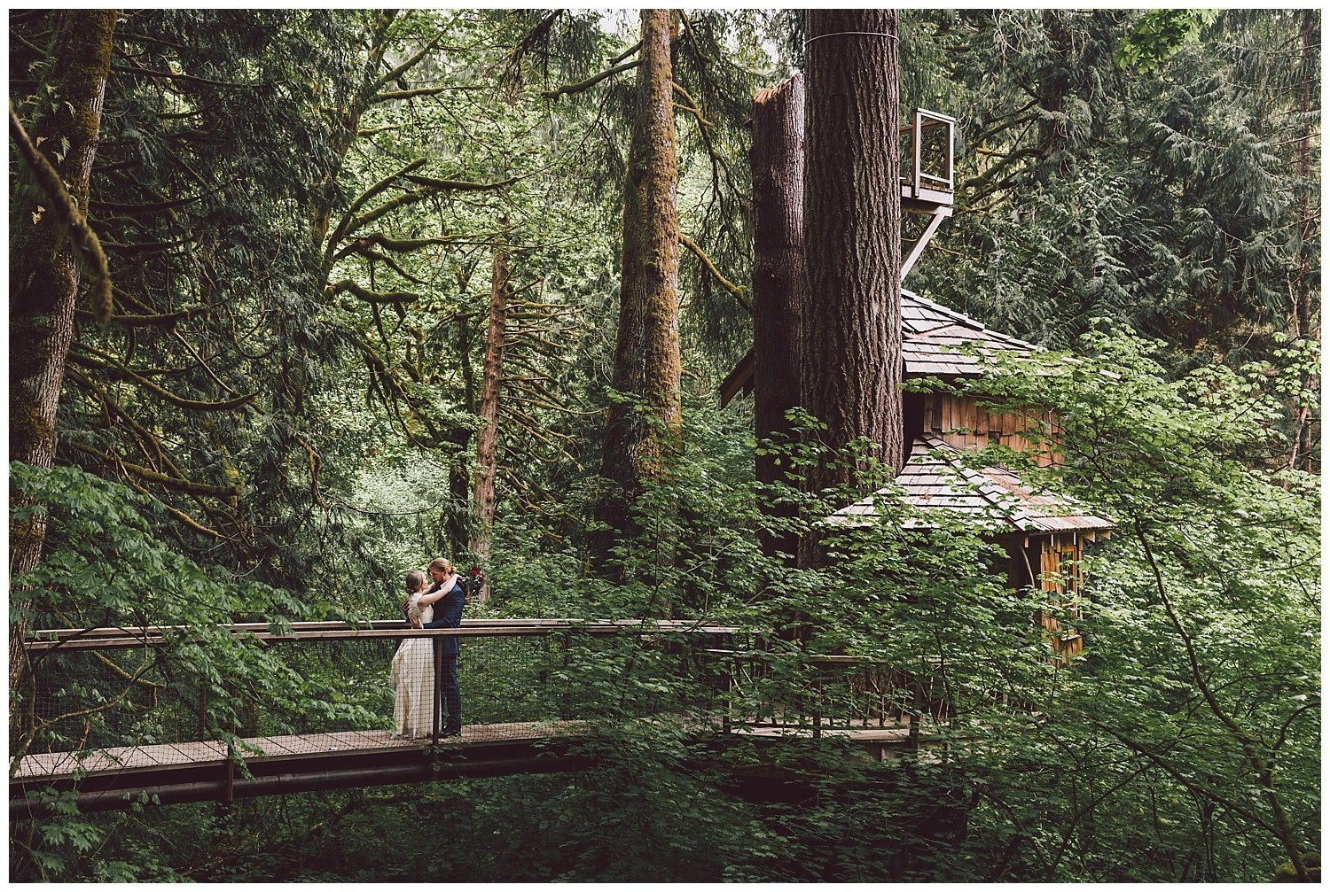 buff-dudes-treehouse-point-wedding-luma-weddings_0069