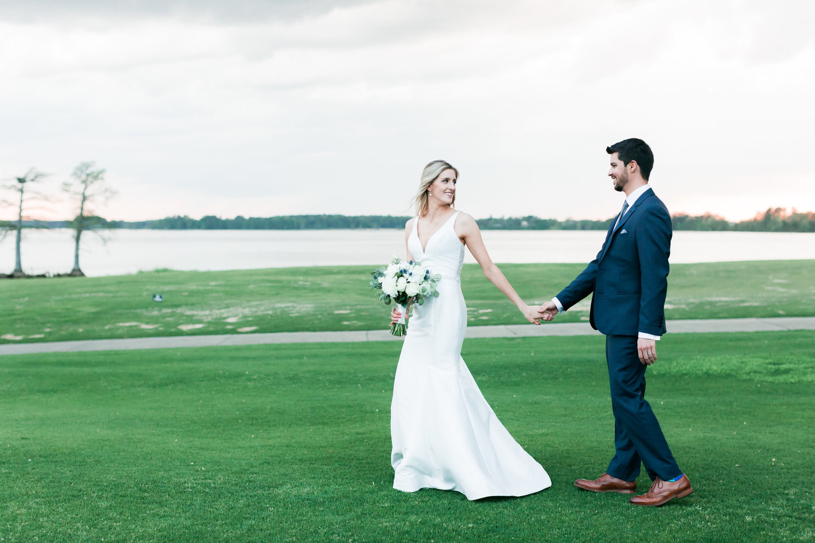 Two Rivers Country Club Classic Spring Wedding by Elizabeth Friske Photography-38