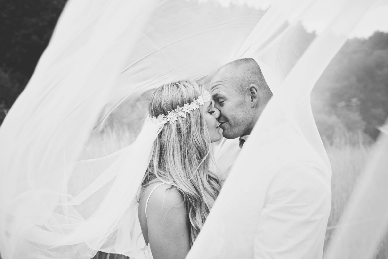 Bride and groom photography by Jessica Elisze. At The Keeper and the Dell in Norfolk