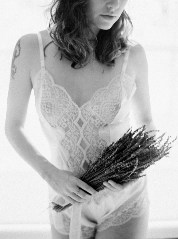 organic-outdoor-boudoir-inspiration-gossamer-gathered-melanie-gabrielle-photography-028