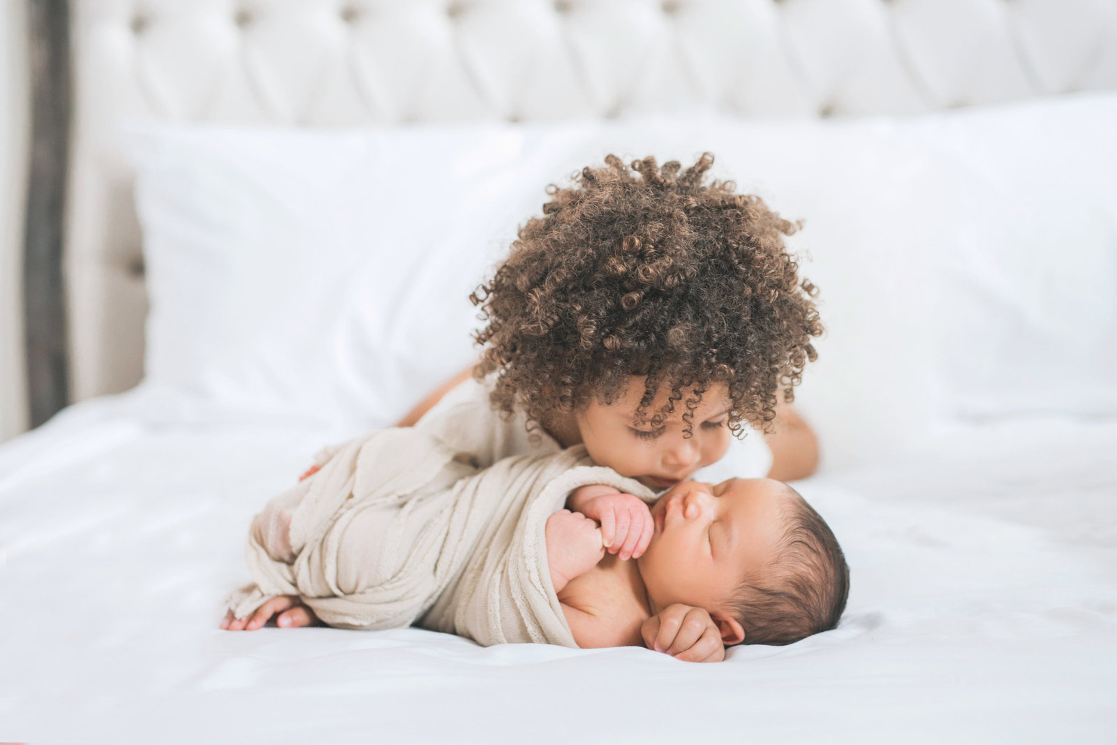 Las Vegas newborn photographer sibling