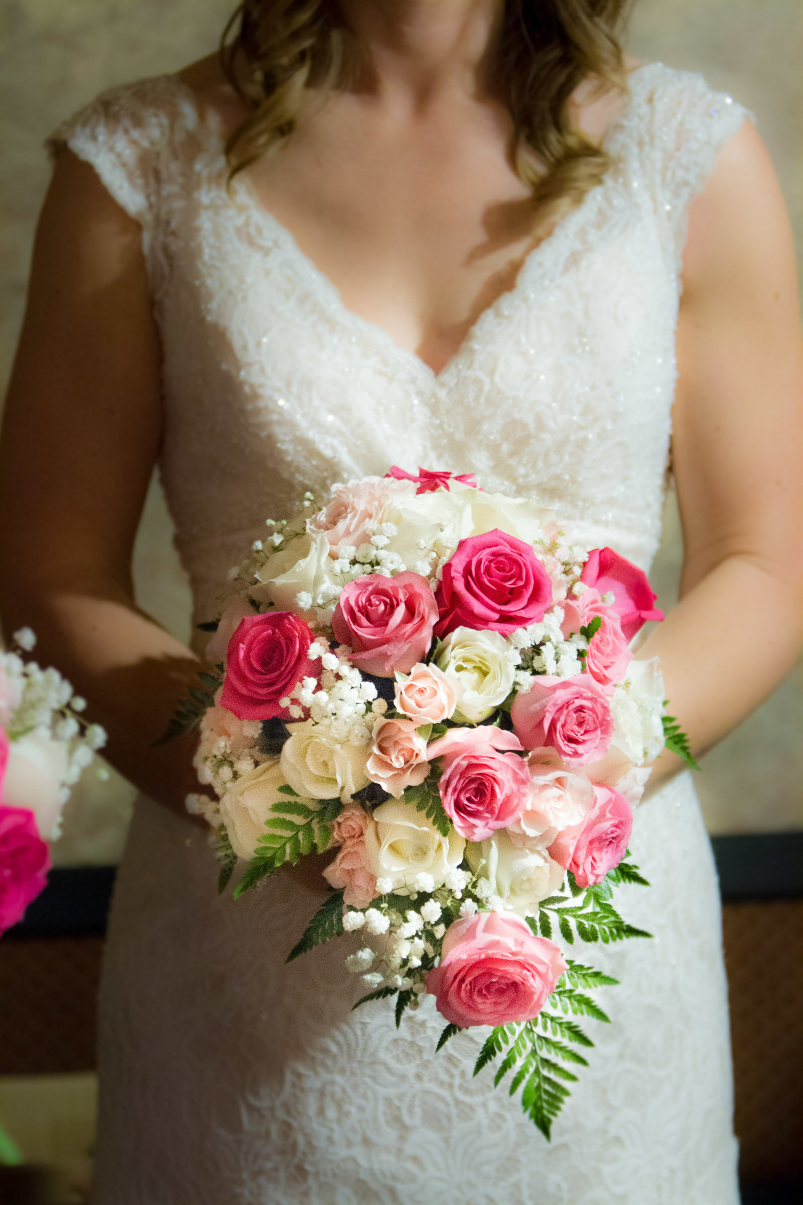 wedding photography bride flowers