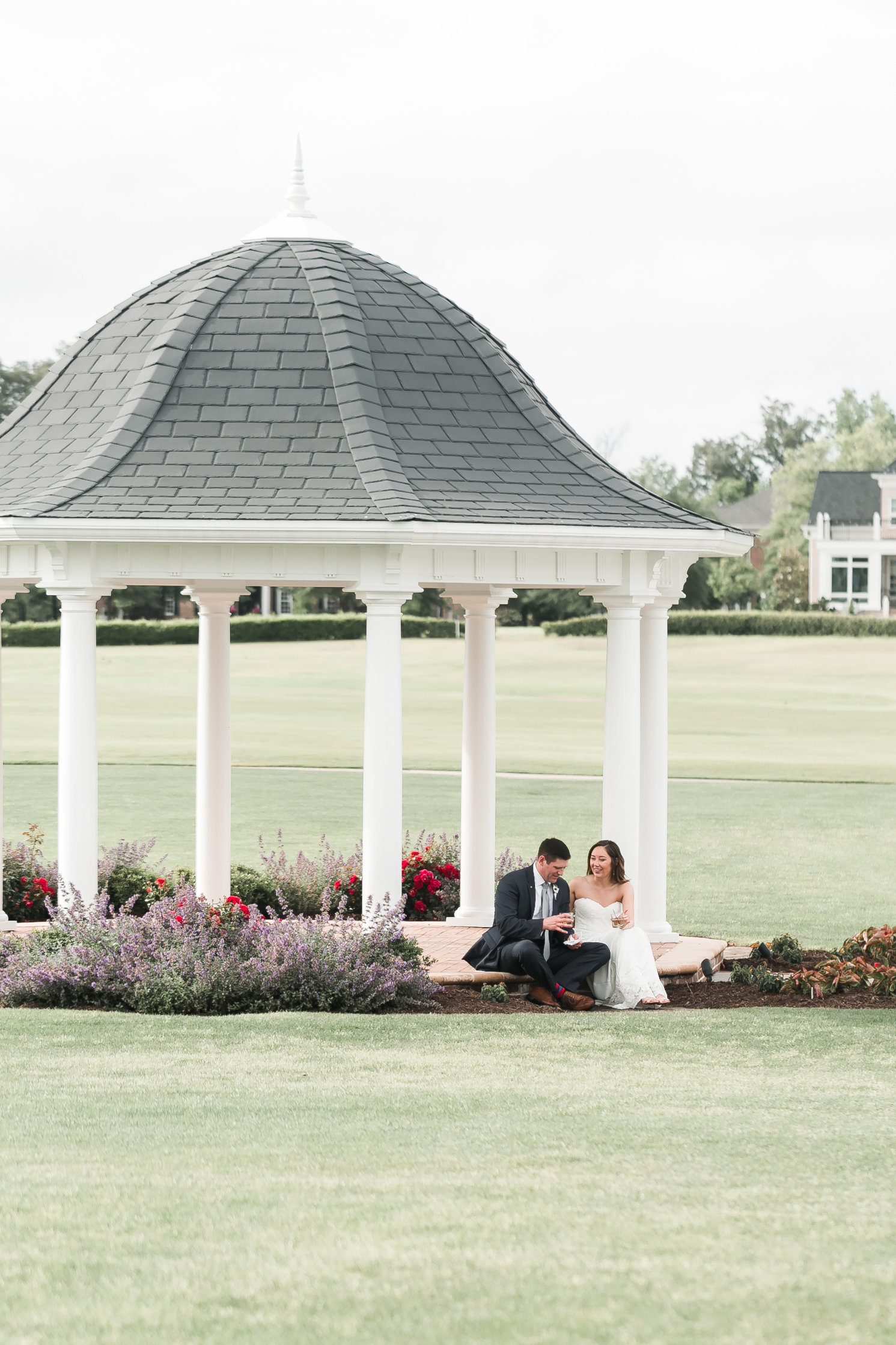 Two Rivers Country Club Classic Memorial Day Wedding by Elizabeth Friske Photography-61