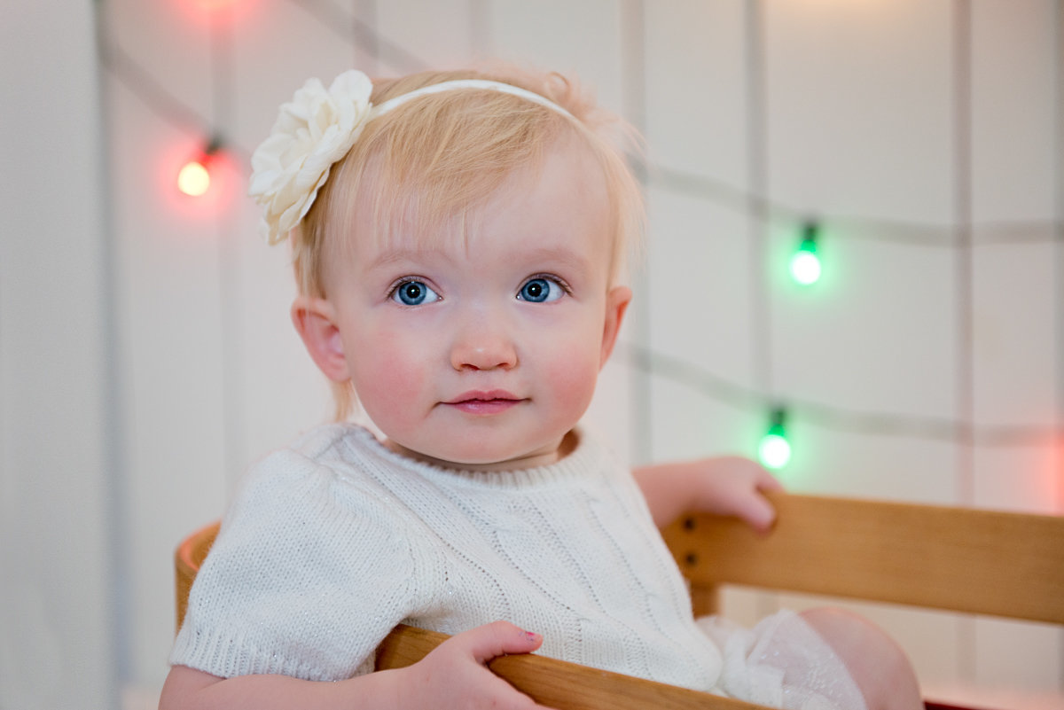 caitlin-chadwick-studios-holiday-mini-portrait-beautiful-blonde-blue-eyed-toddler-twins-classic-creamy-timeless-festive_0004
