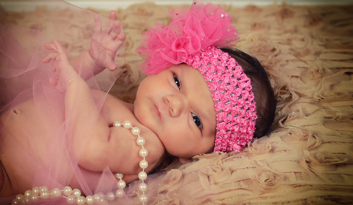Newborn Session vintage girl