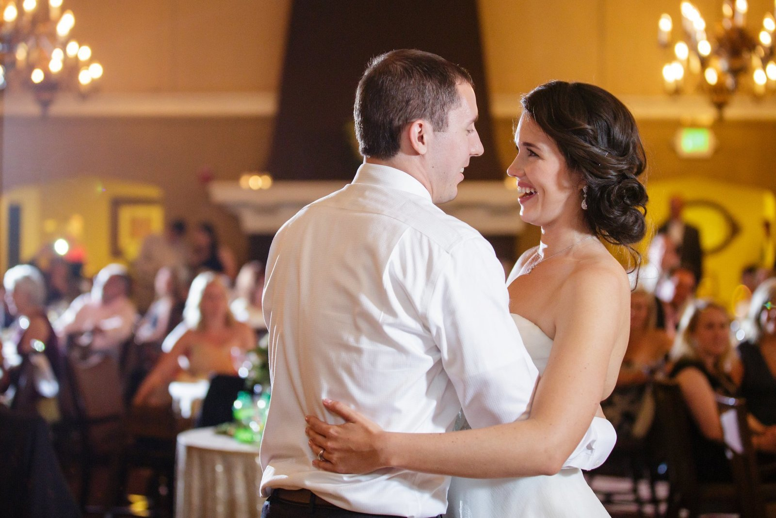 atlanta-country-club-wedding-first-dance