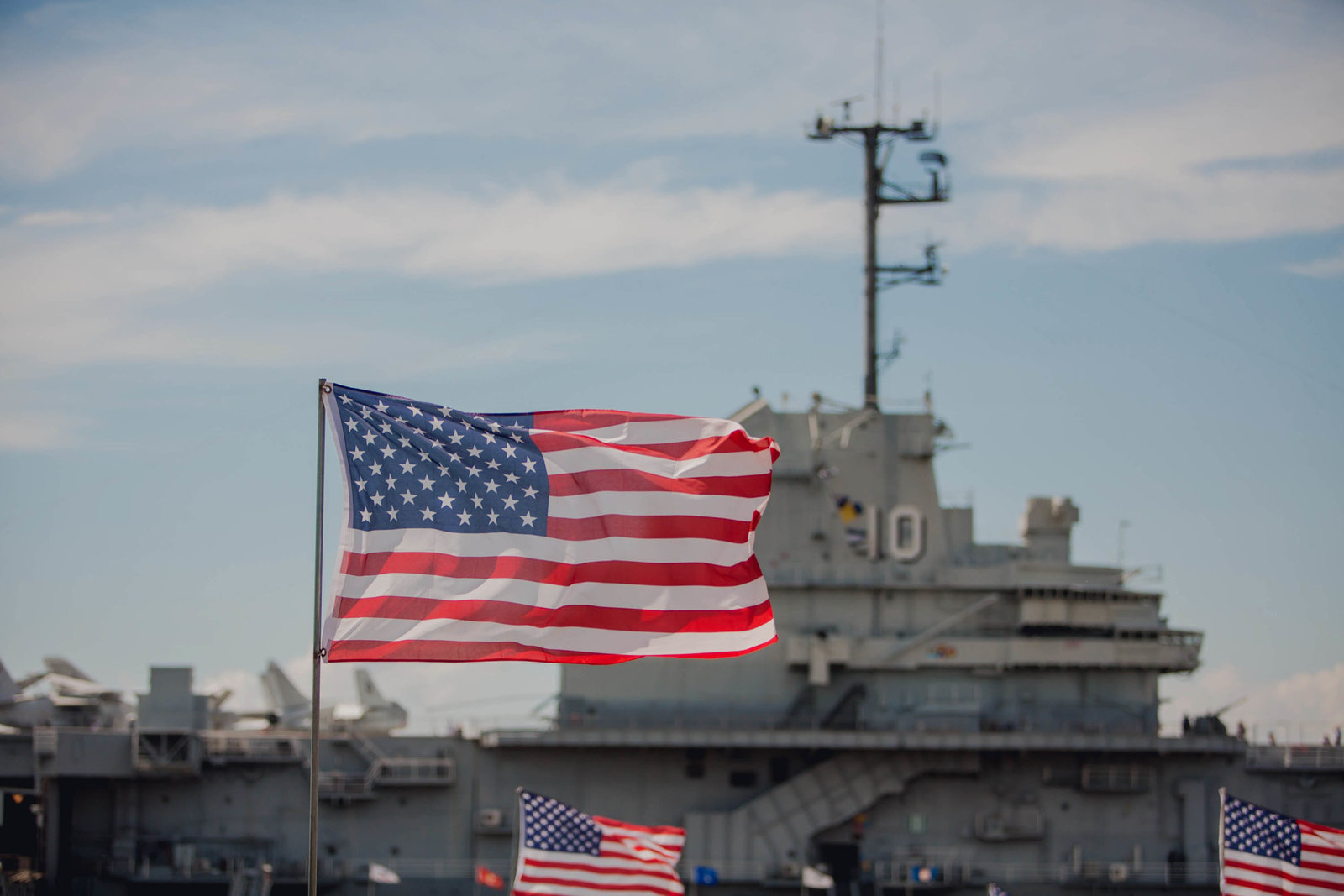 uss-yorktown-ship-patriots-point-flag-charleston-sc-kate-timbers-photography-1042