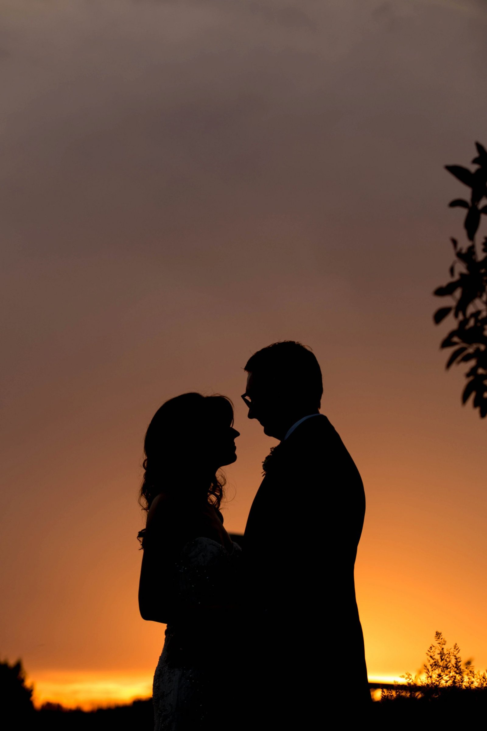 sunset-silloheutte-wedding-photo
