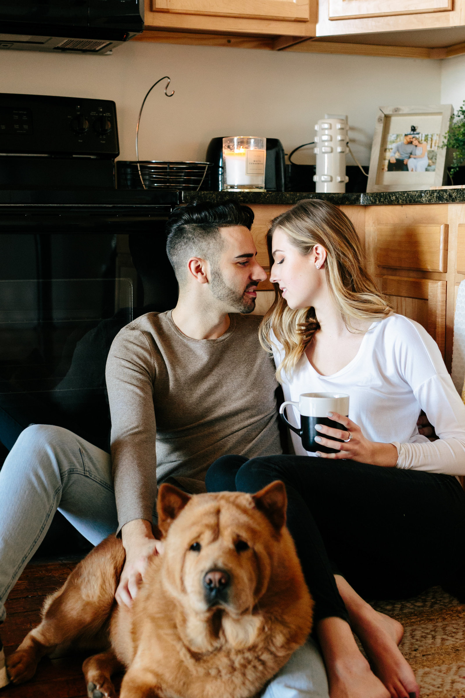 in-home-lifestyle-engagement-photography-rhodeisland1025