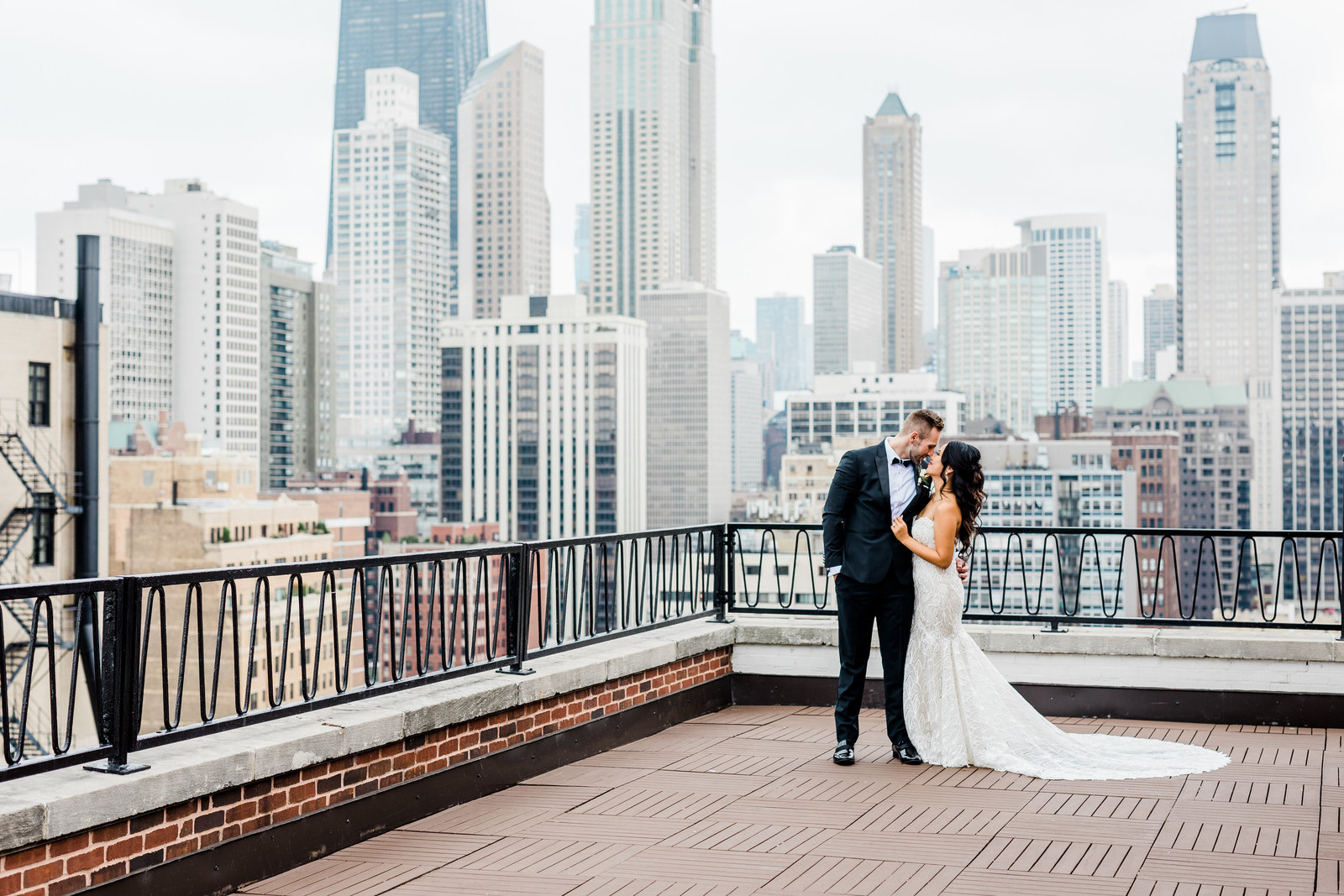 Downtown Chicago Rooftop wedding couple at Four Seasons Resort