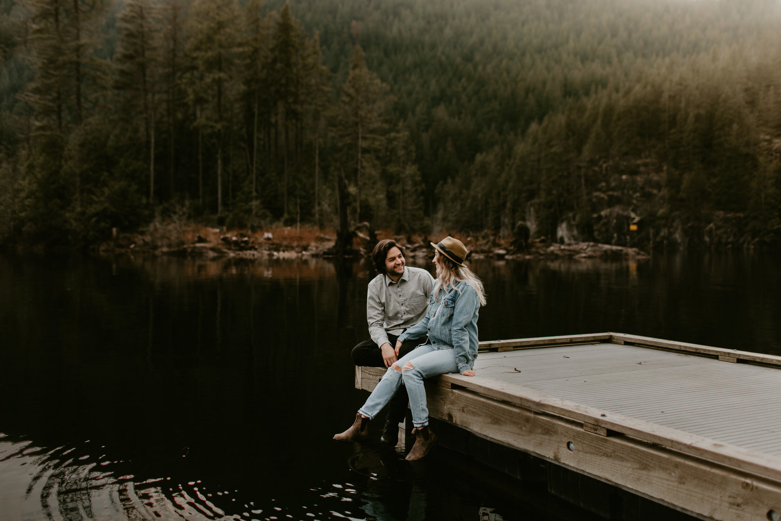 BUNTZEN-LAKE-ENGAGEMENT-MEGHAN-HEMSTRA-PHOTOGRAPHY-3
