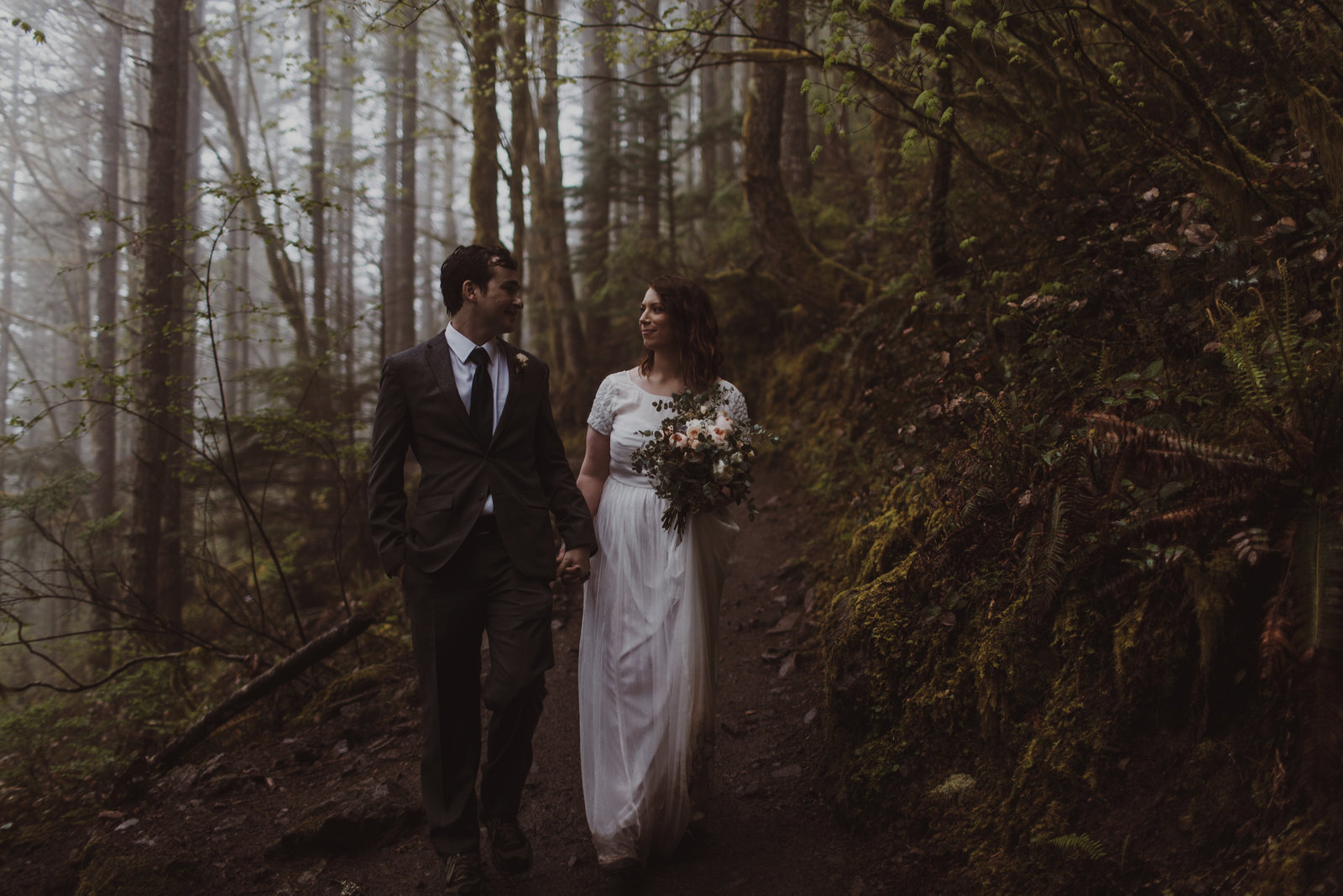 Rattlesnake ridge wedding photographer-3