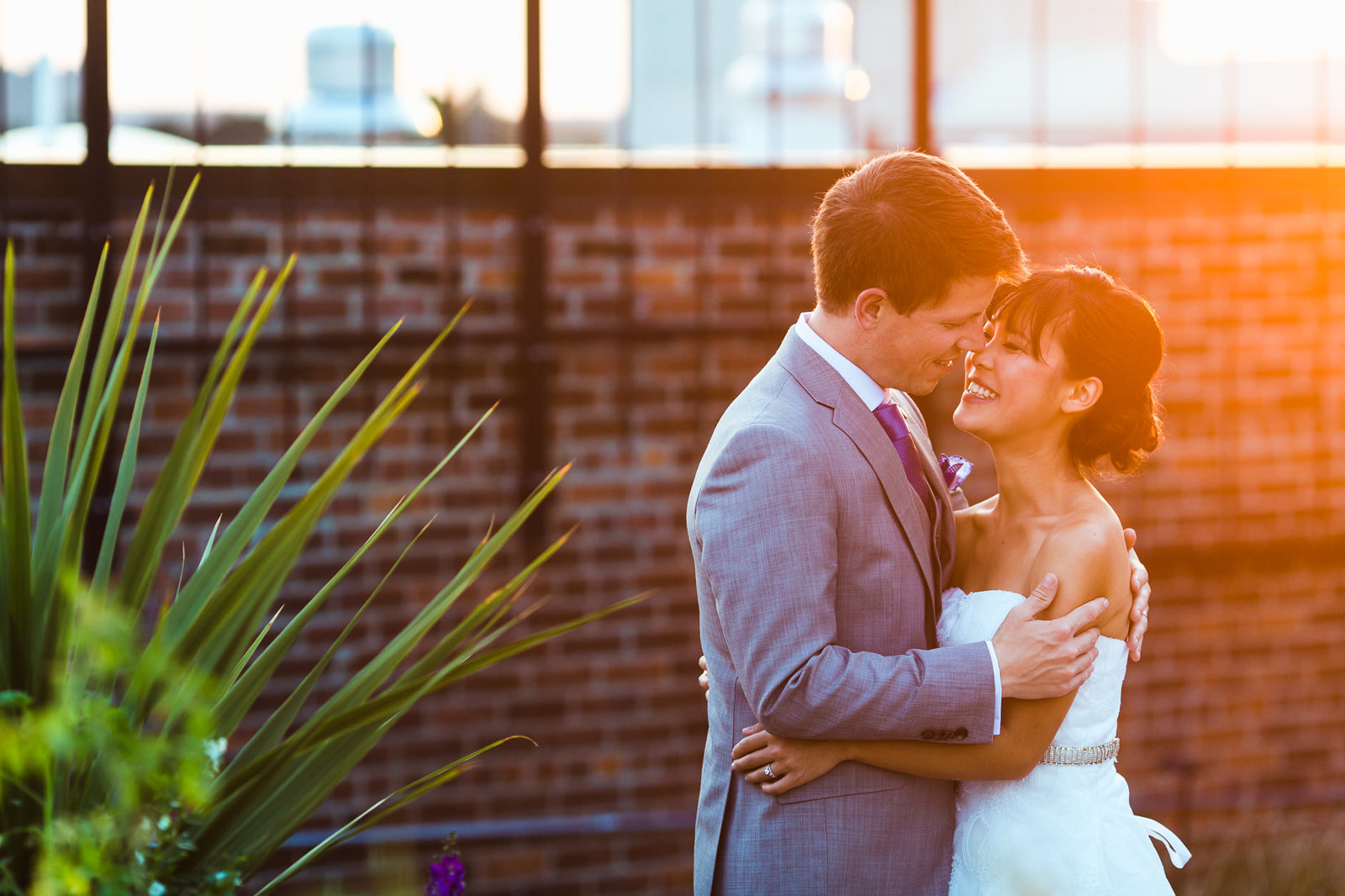 san-francisco-wedding-photographer-couple-at-golden-hour-on-roof