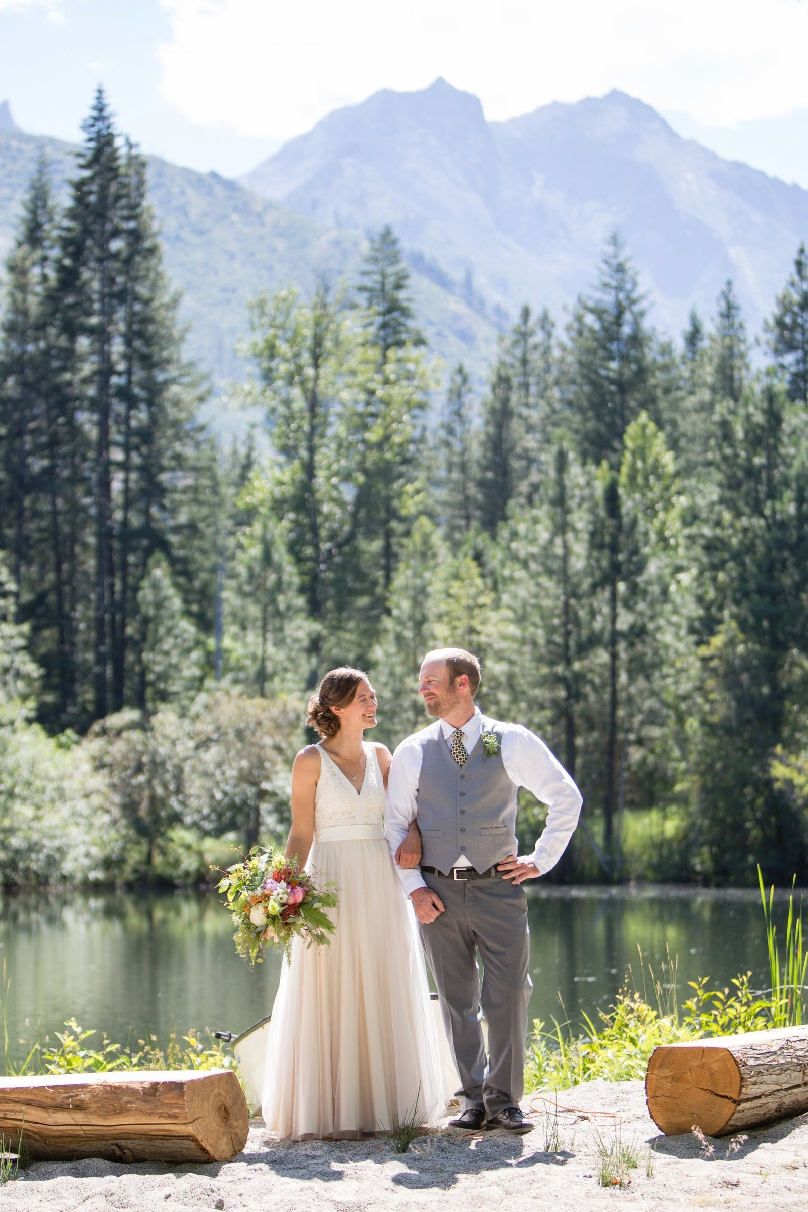 destination-wedding-by-lake