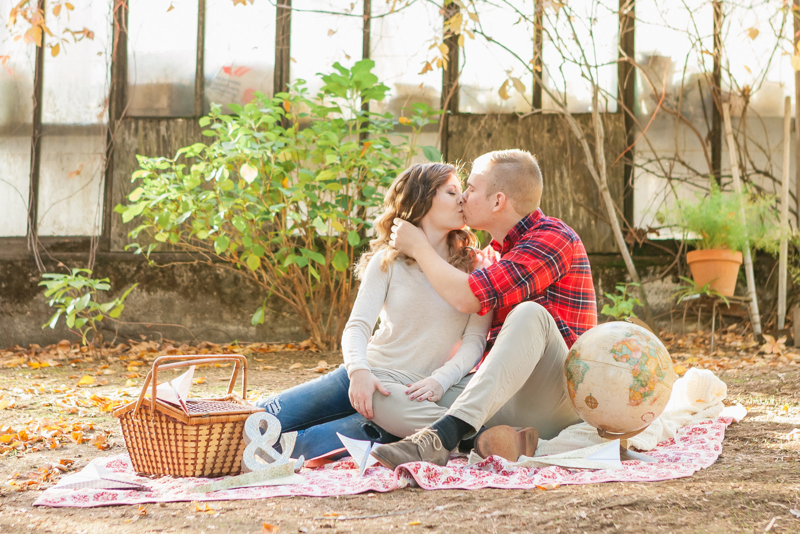 Auburn engaged couple on a picnic