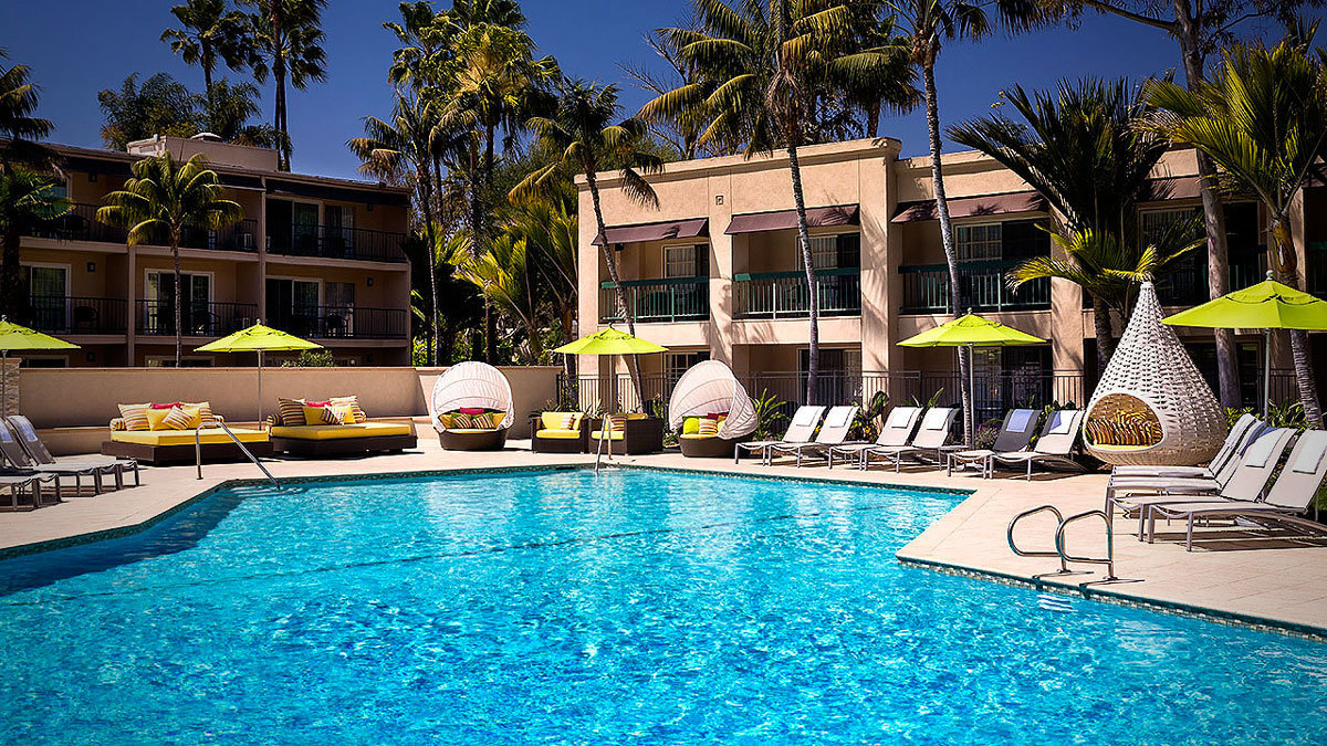 Hyatt-Regency-Newport-Beach-P118-indulge-pool-1280x720