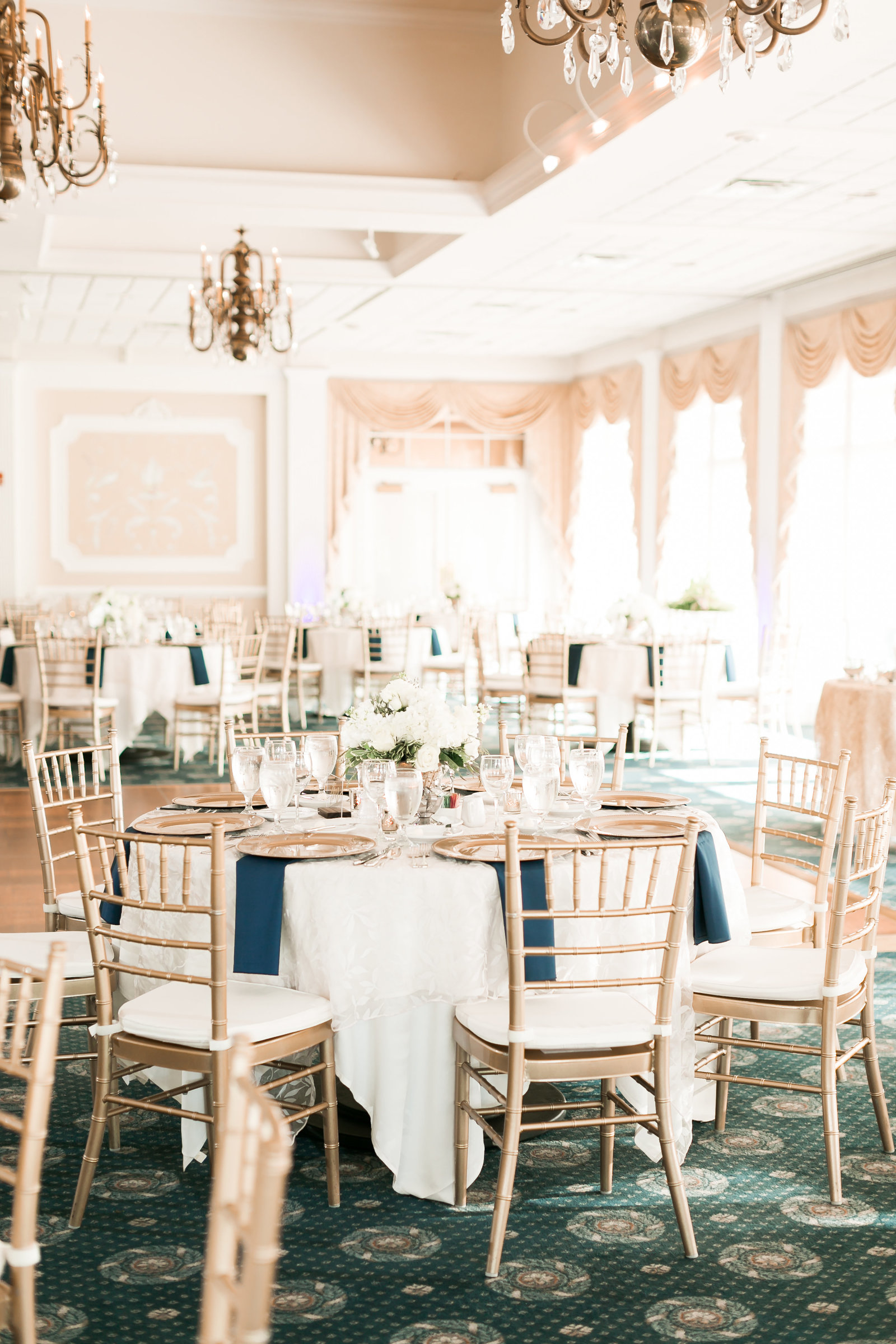 Two Rivers Country Club Classic Spring Wedding by Elizabeth Friske Photography-24