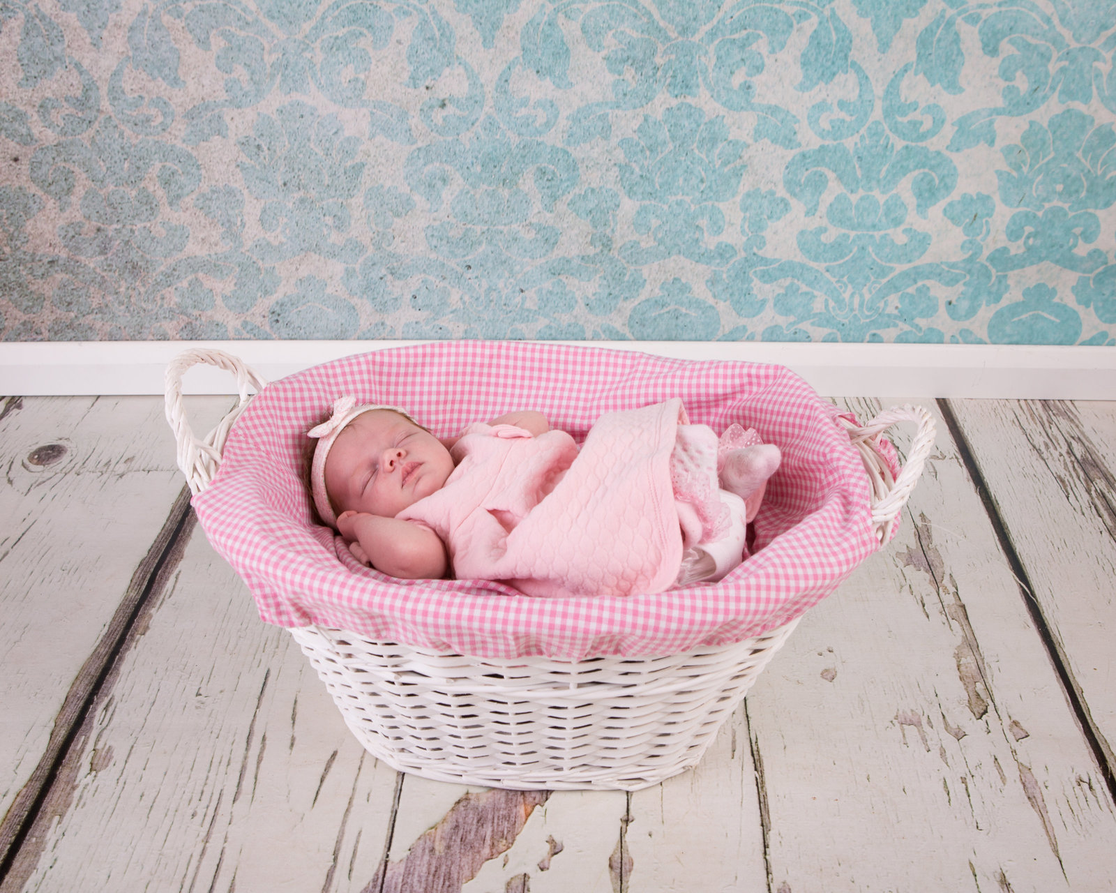 newborn photographer tyne and wear