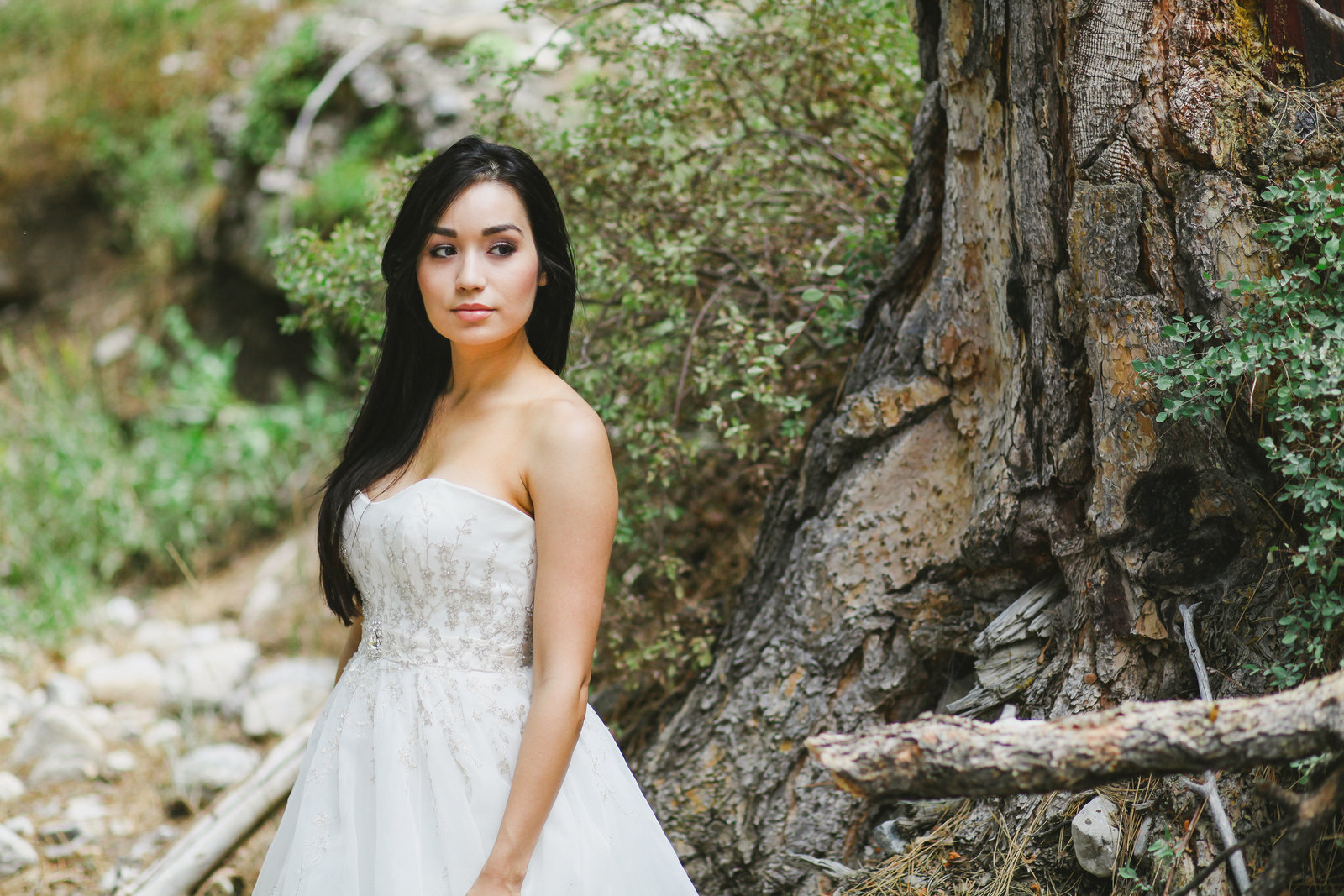 Oregon bride outdoor bridal portrait  | Susie Moreno Photography