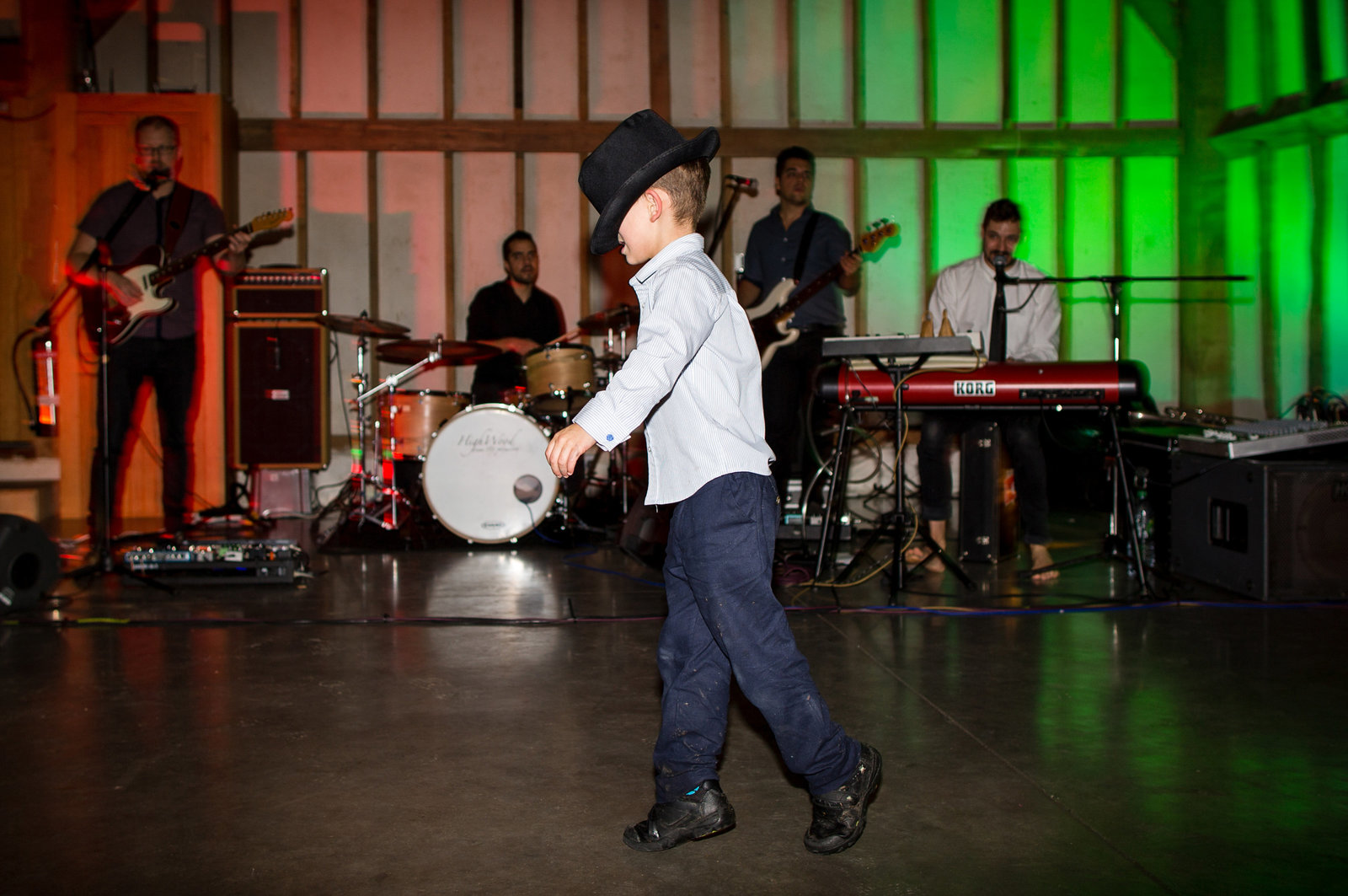 adorlee-0768-southend-barns-wedding-photographer-chichester-west-sussex