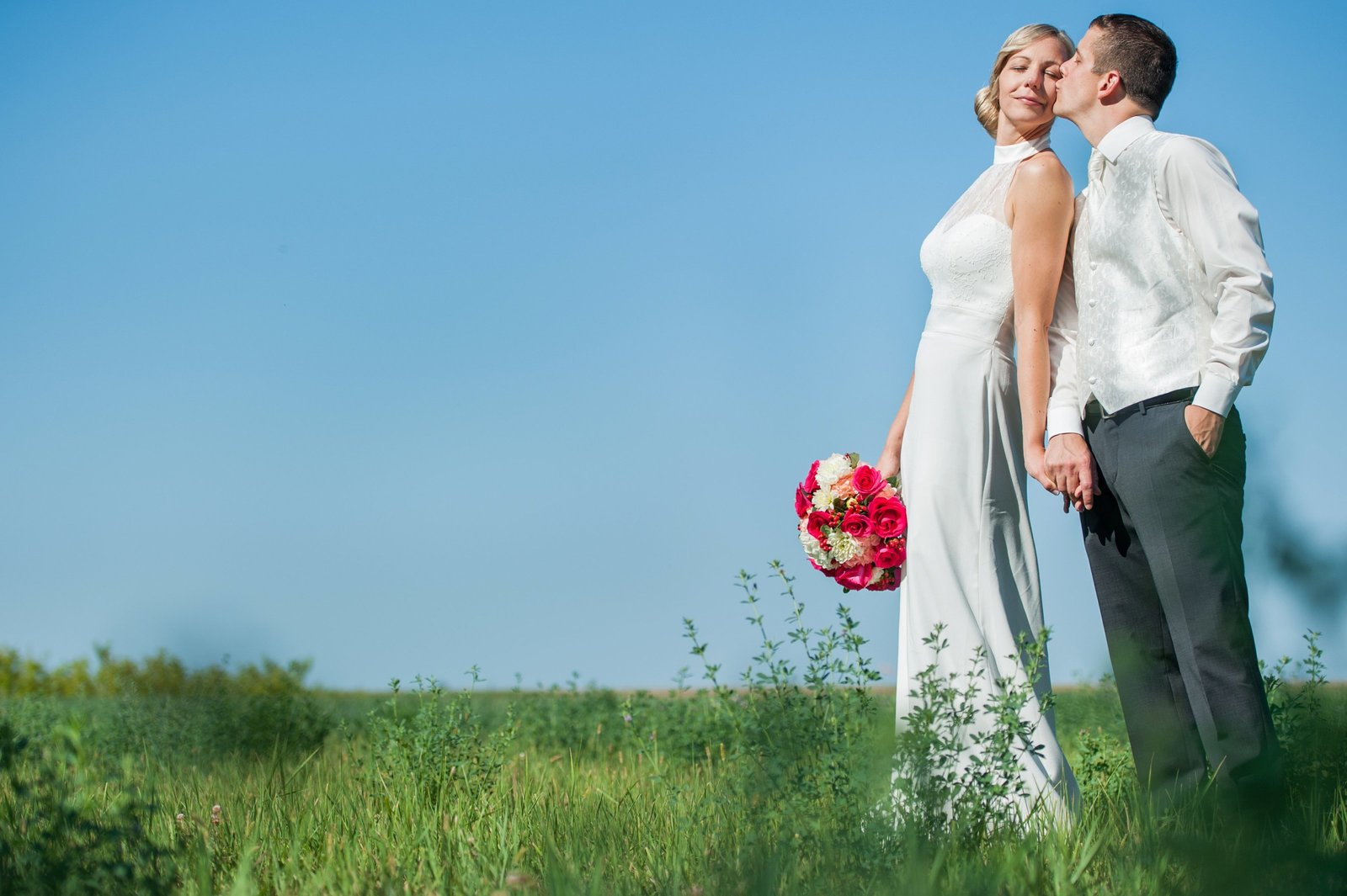 Kris kandel photographs wedding on the north dakota prairies. Big sky country photographer!