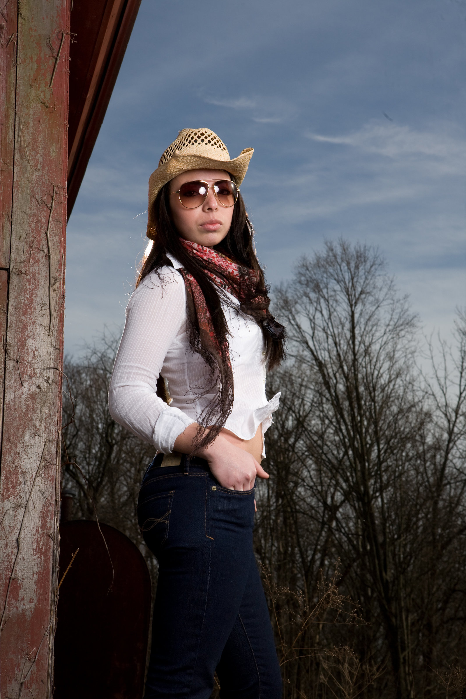 Outdoor casual high school senior pictures by Hudson Valley professional portrait photographer in Orange County NY