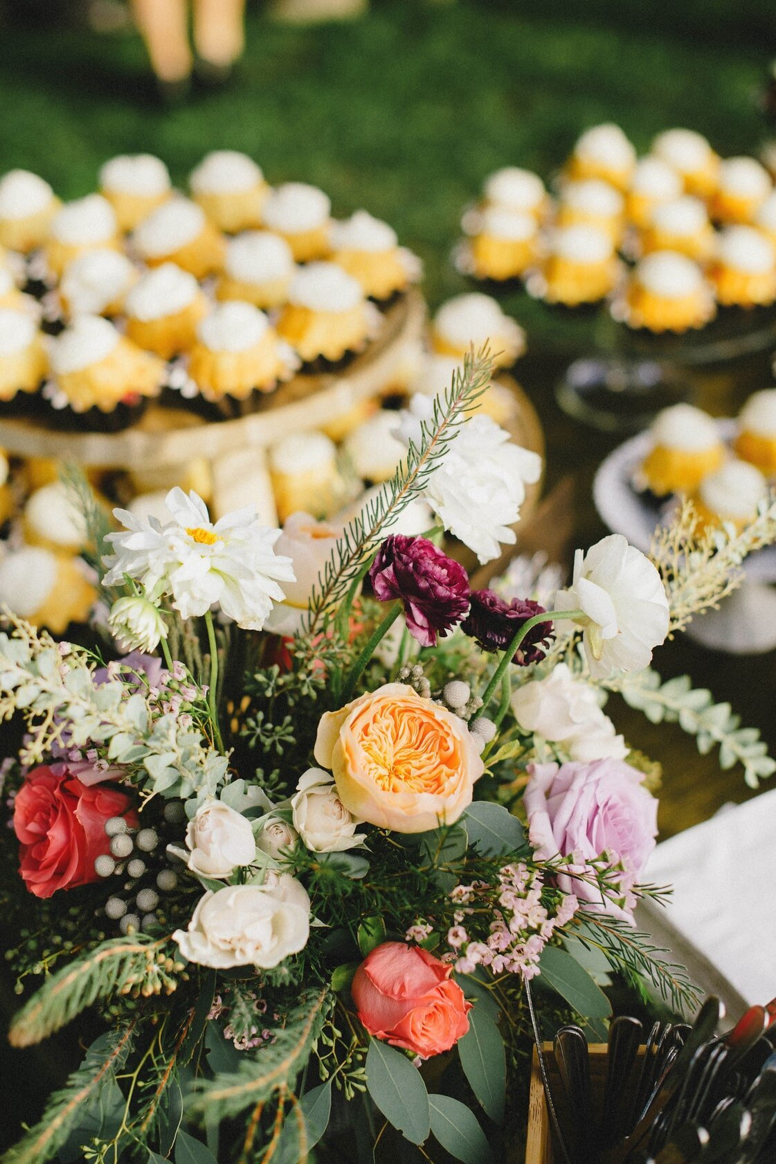 pink-and-yellow-wedding-decor
