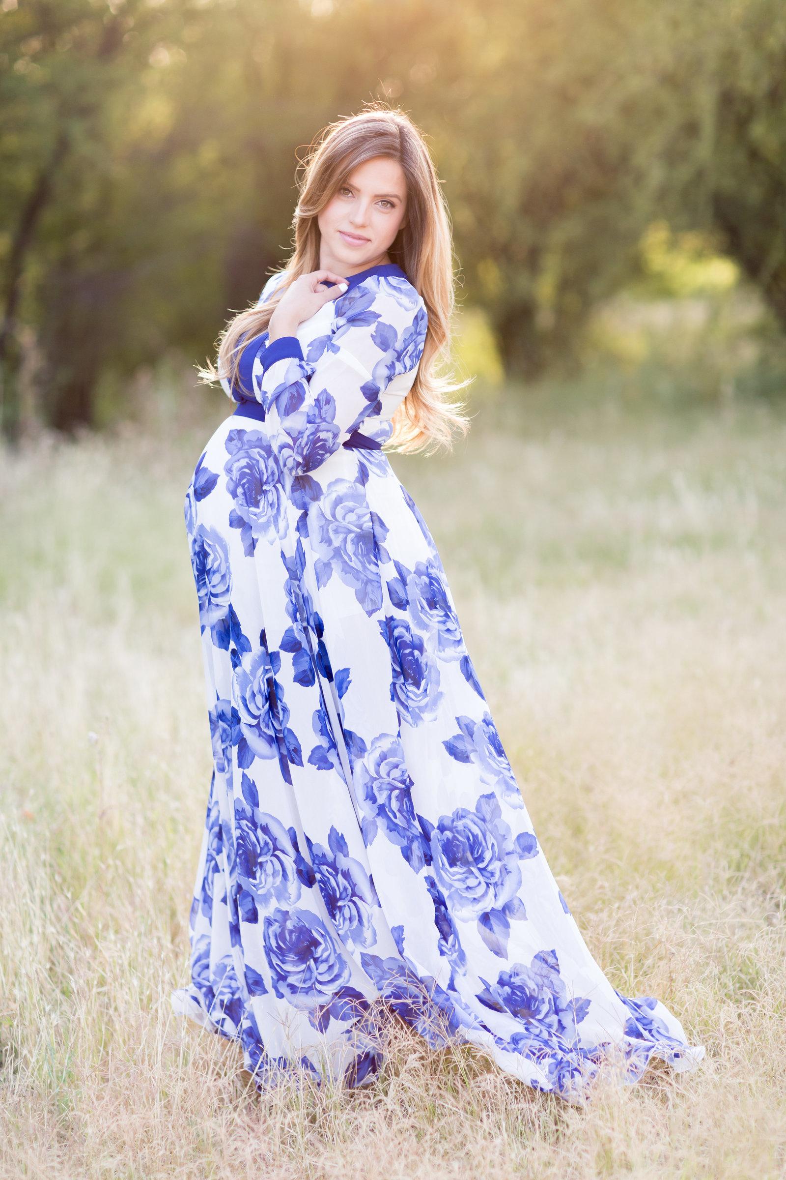 Nicole Maternity Part 1May117