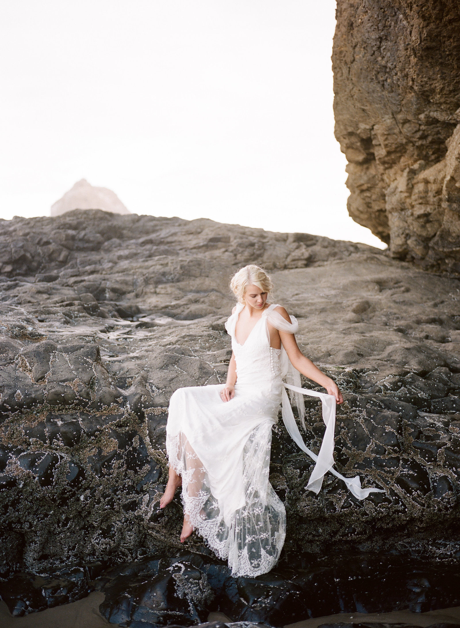 Galatea_romantic_beach_oregon_coast_wedding_dress_JoanneFlemingDesign22
