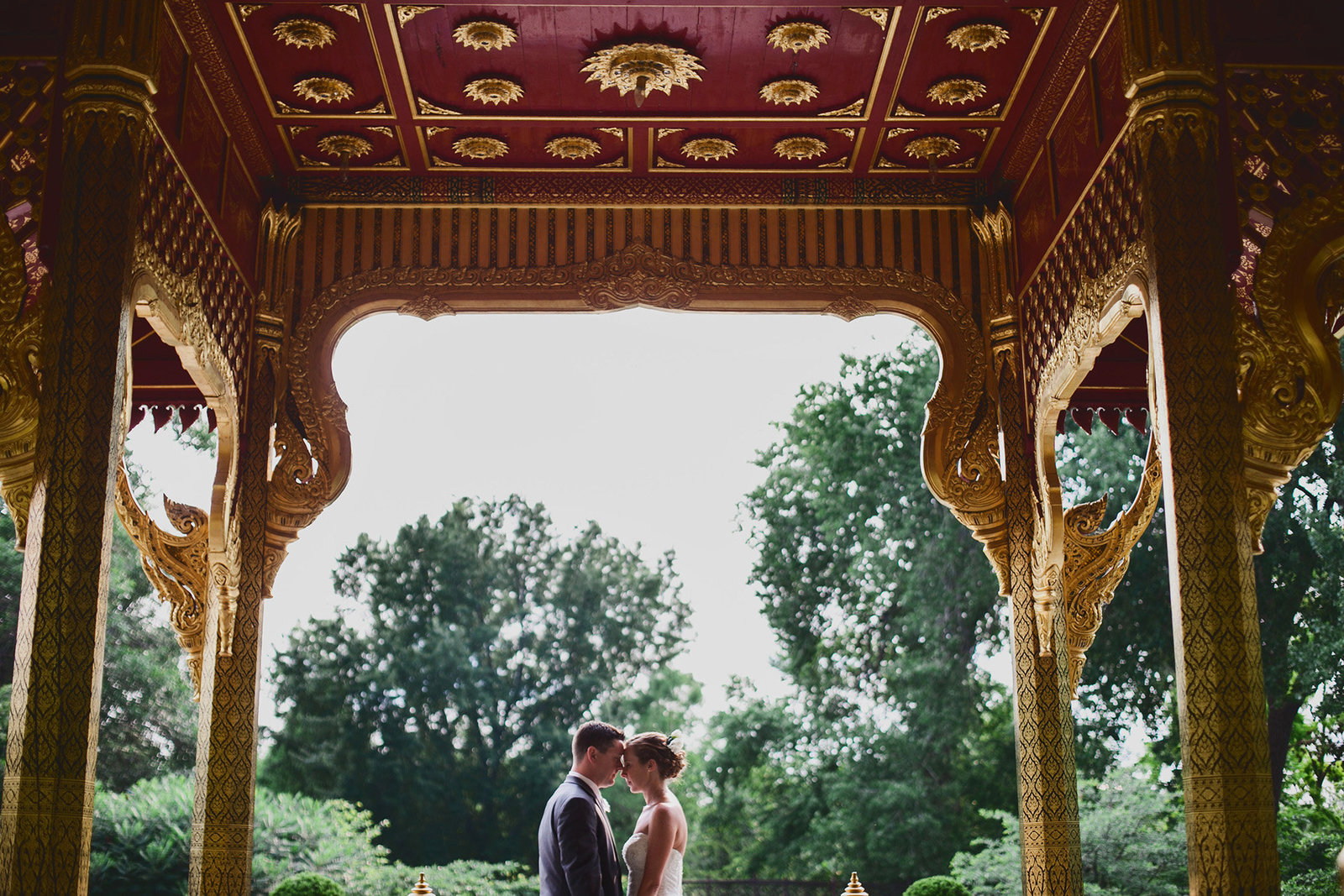 Bride and groom photos at Olbrich gardens