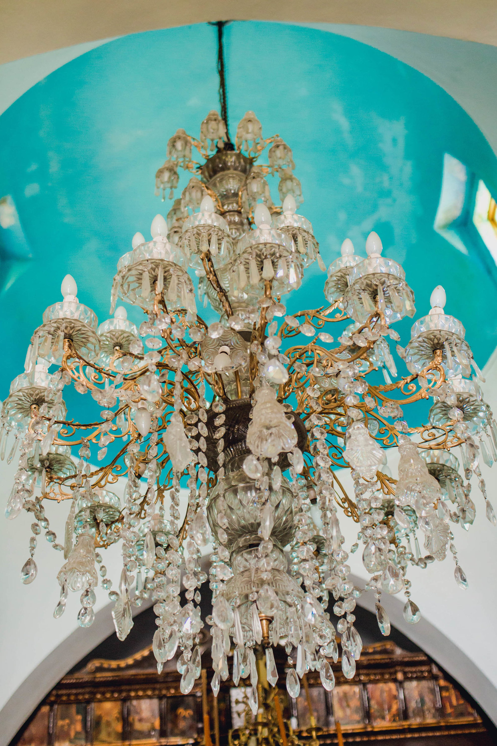 chandelier-church-pyrgos-destination-travel-santorini-wedding-kate-timbers-photo-2684