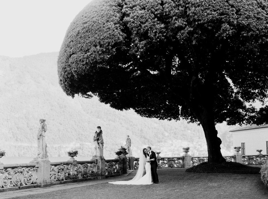 lake_como_italy_villa_balbianello_destination_wedding_melanie_gabrielle_040
