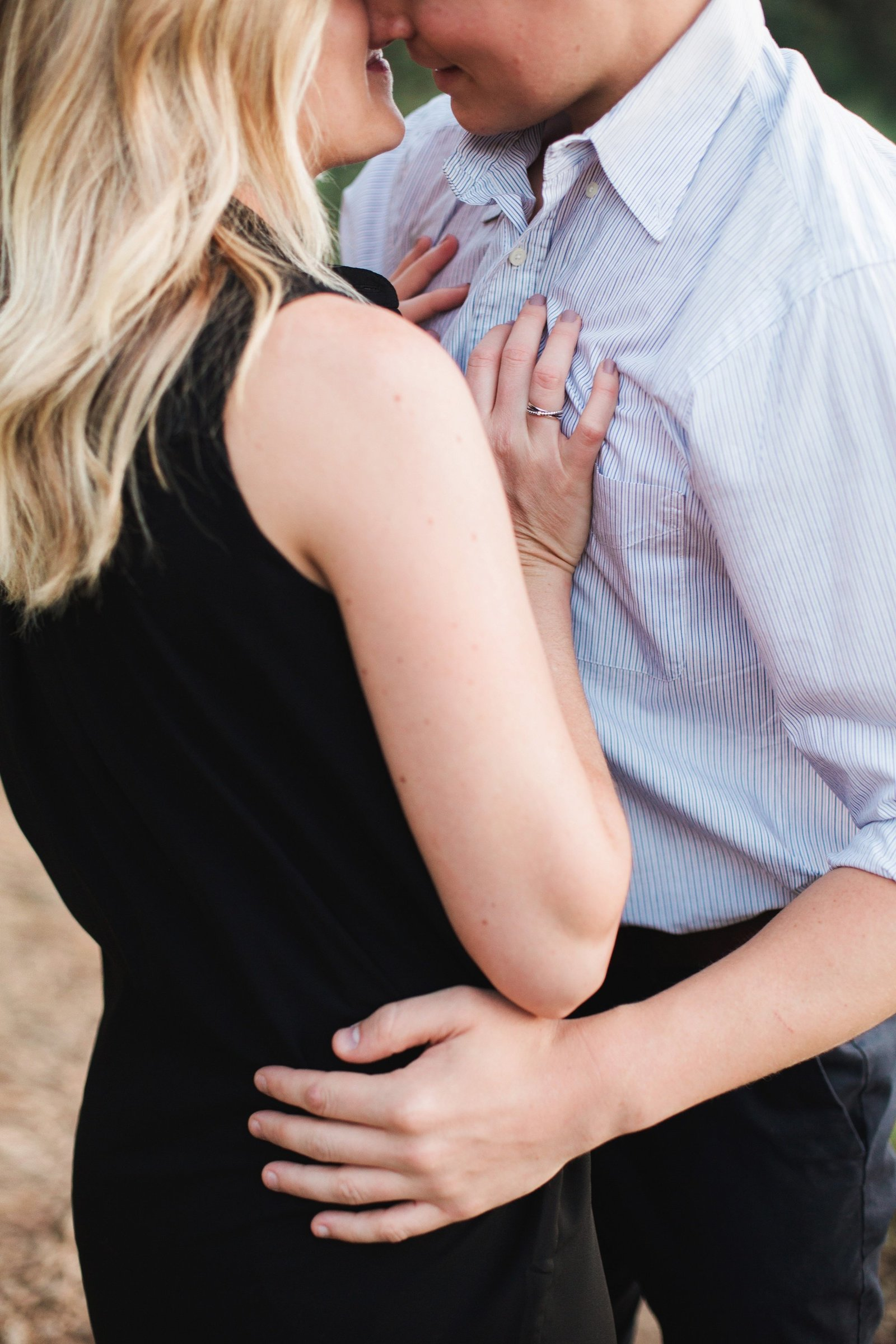 Engagements -Denver Lookout Mountain Engagement Session Golden Colorado Wedding Photographer Overlook City Lights Nature Outdoors Valley Light Couple (6)