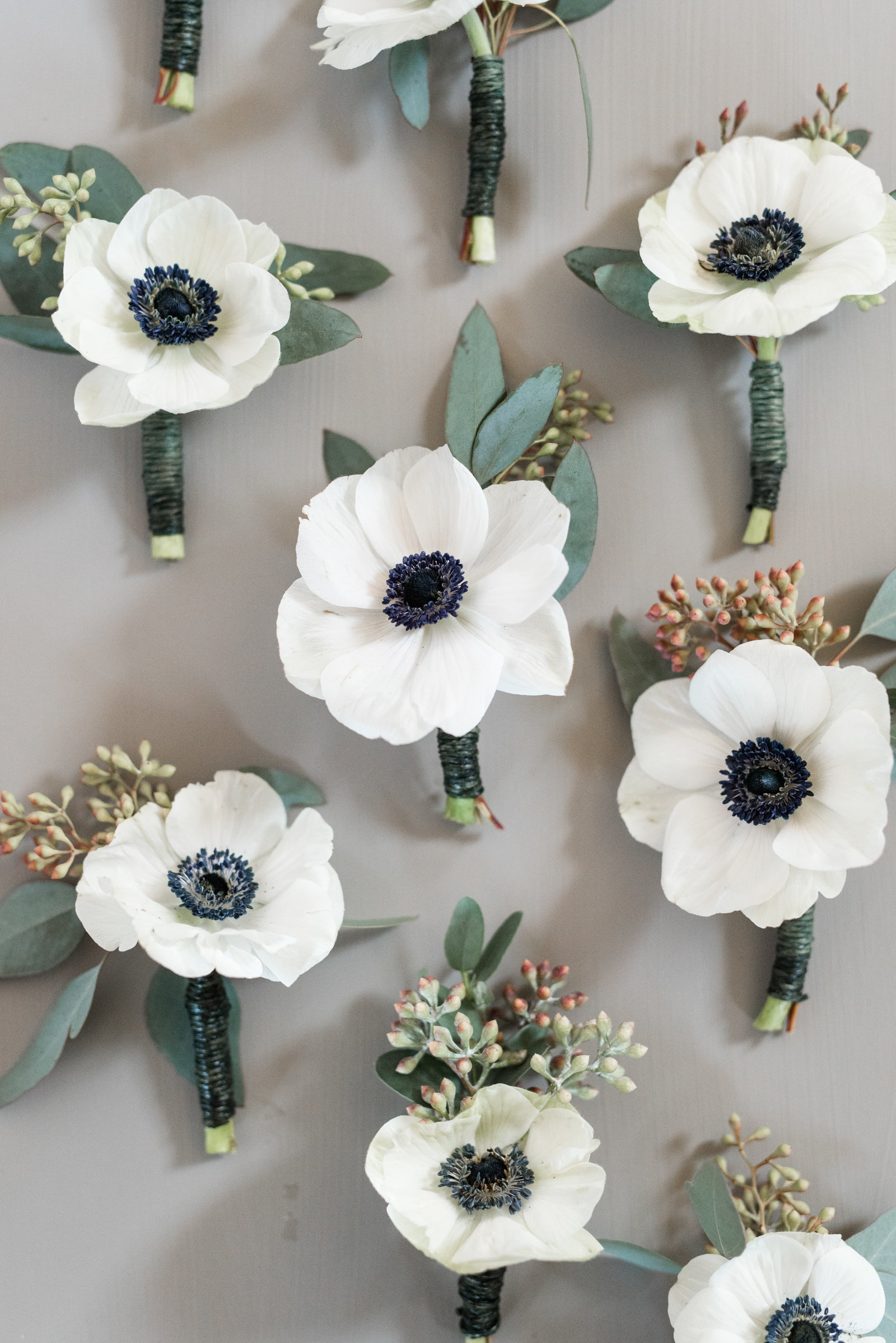 anemone-boutonneires-charlottesville-virginia-winter-wedding-photo794