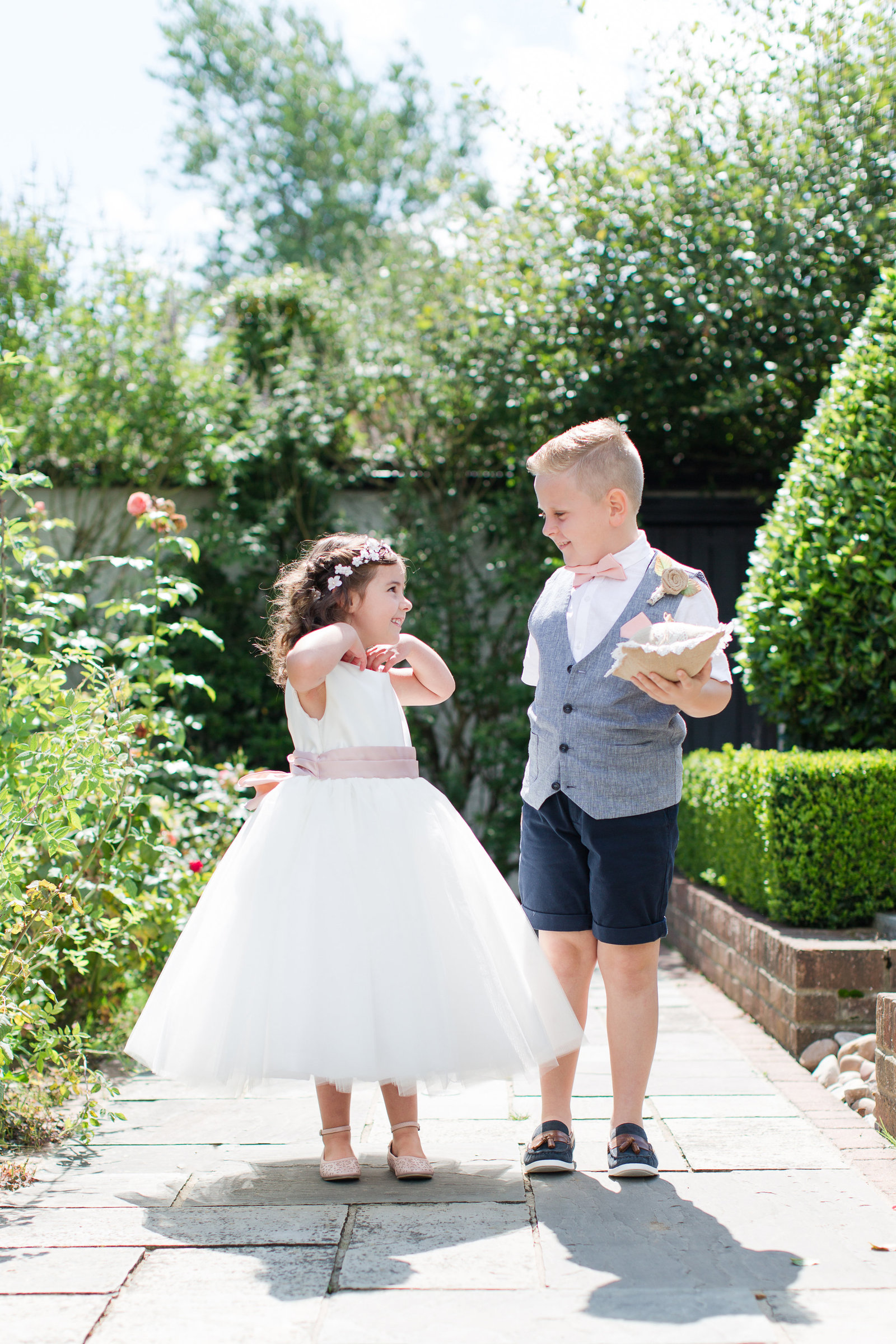 adorlee-0344-southend-barns-wedding-photographer-chichester-west-sussex