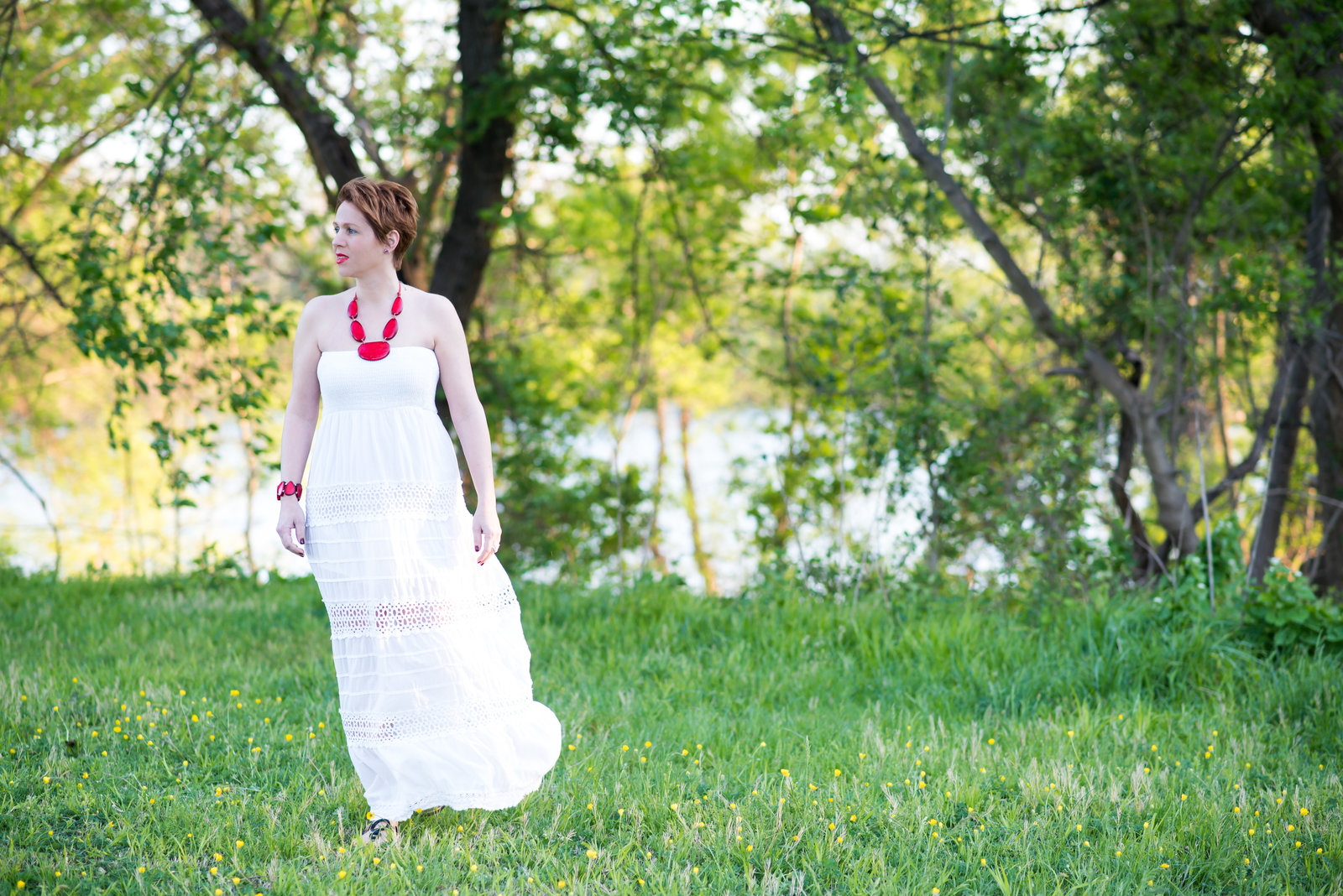Stunning portrait photography in Richmond of a  women in white dress