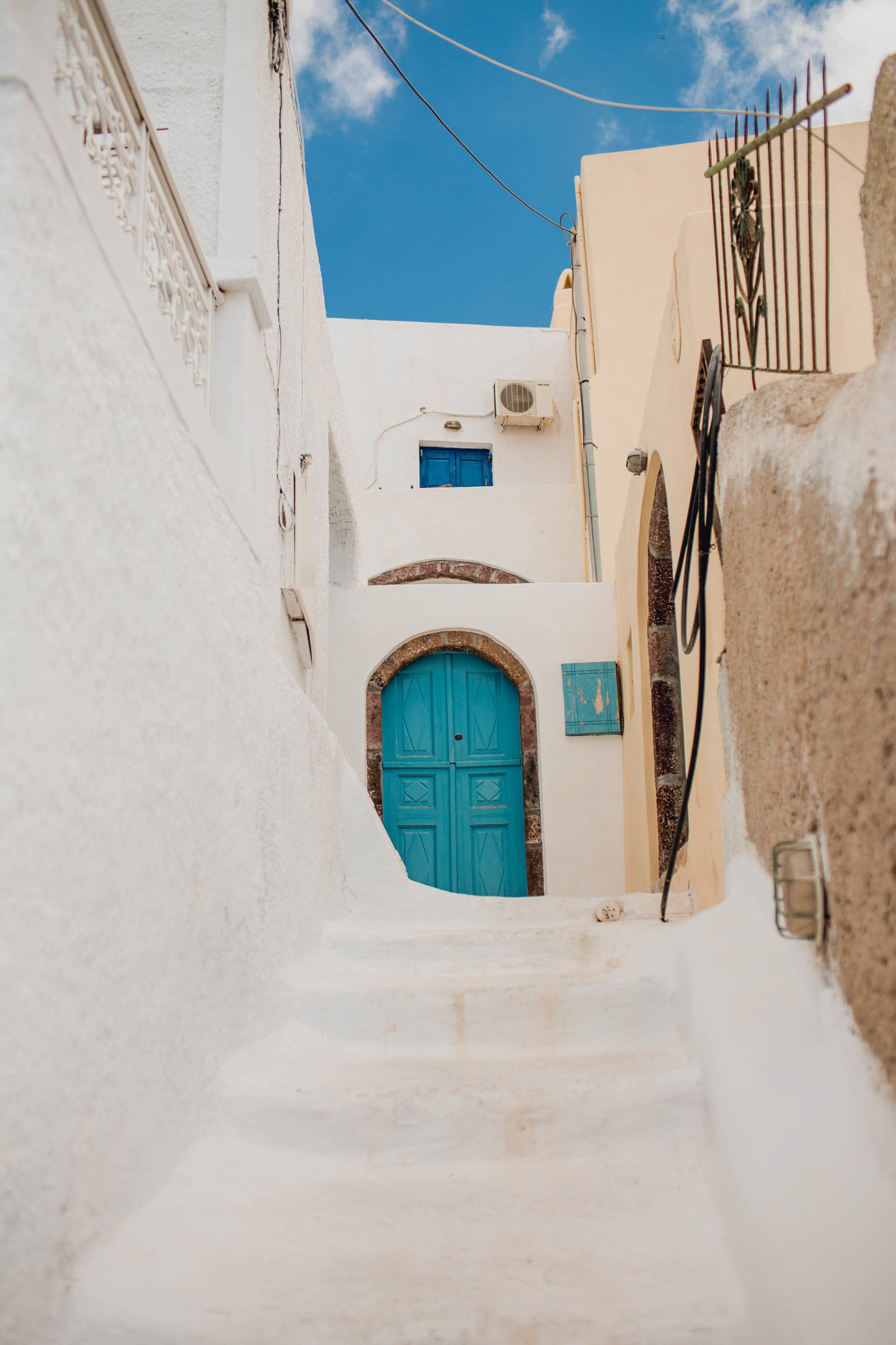 stairs-door-pyrgos-destination-travel-santorini-wedding-kate-timbers-photo-2678